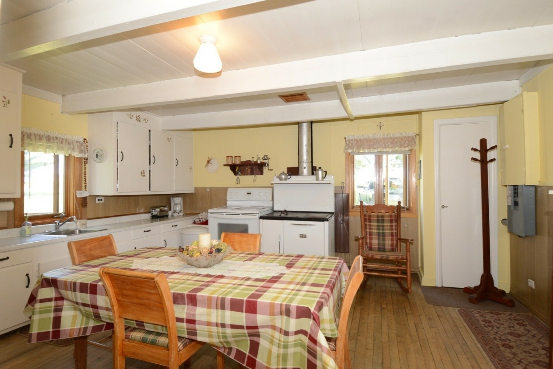 image 7 - Farmhouse For sale Rigaud - 8 rooms