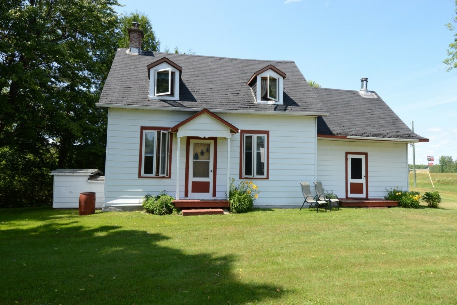 image 2 - Farmhouse For sale Rigaud - 8 rooms