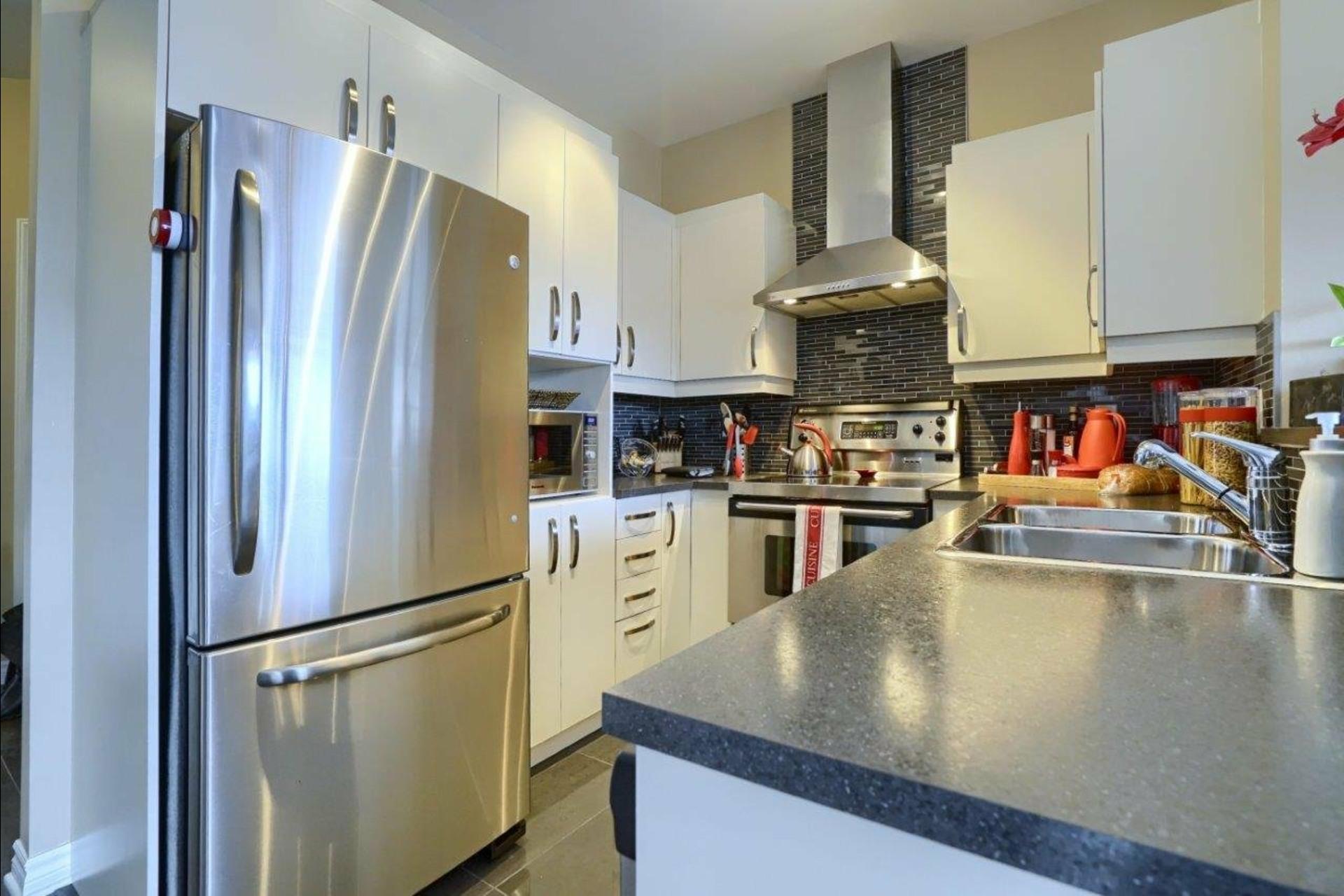 image 9 - Appartement À vendre La Prairie - 6 pièces