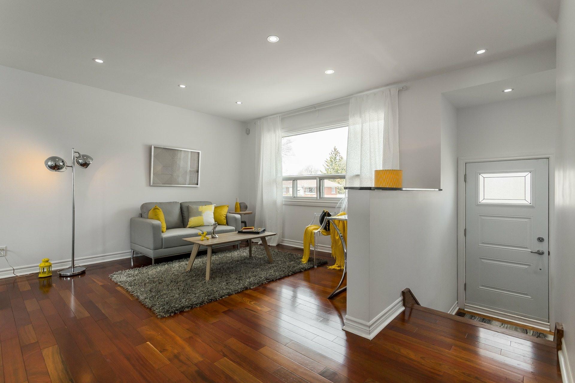 image 2 - Casa In Vendita Montréal Rosemont/La Petite-Patrie  - 6 stanze