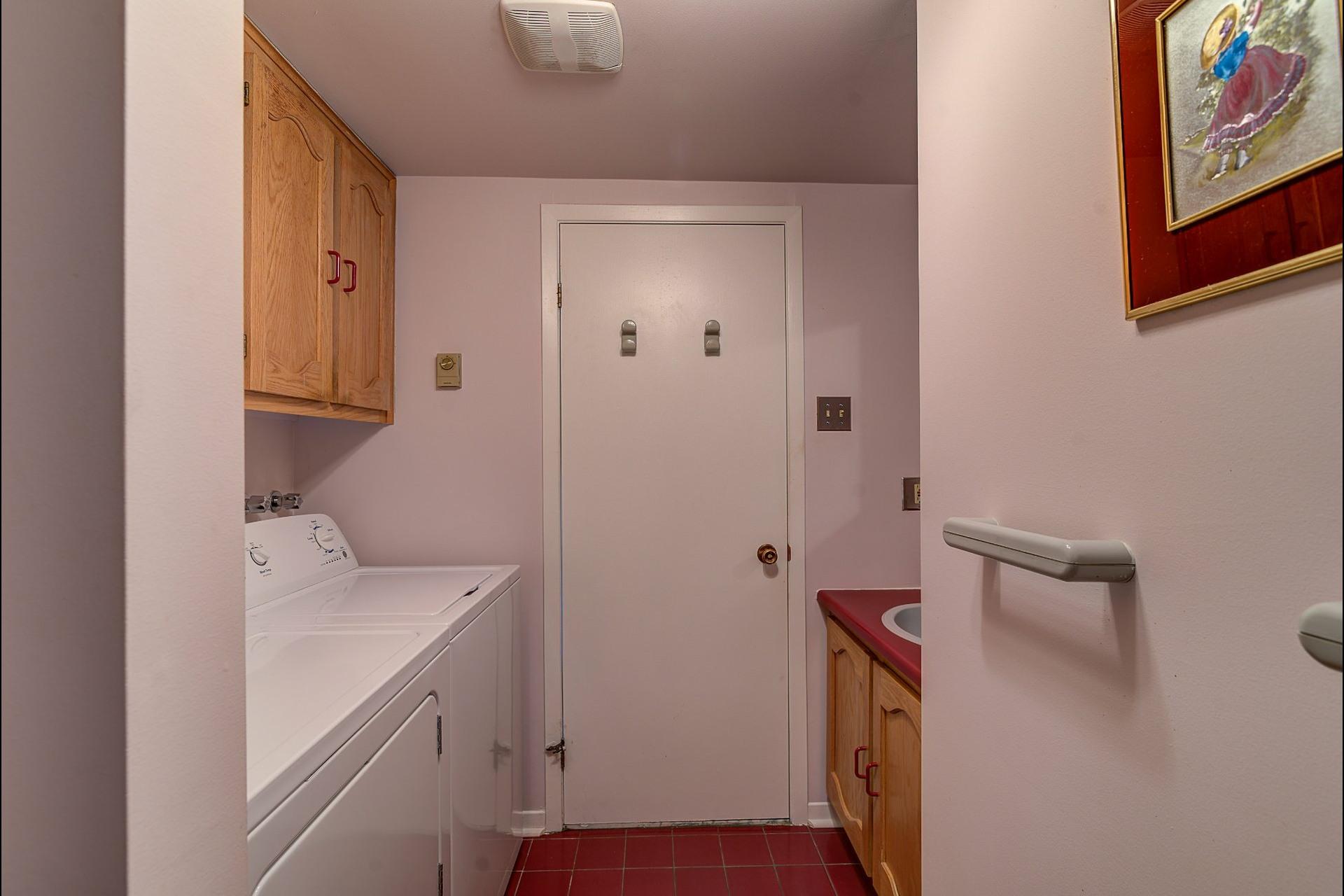 image 20 - Appartement À vendre Laval Chomedey  - 7 pièces