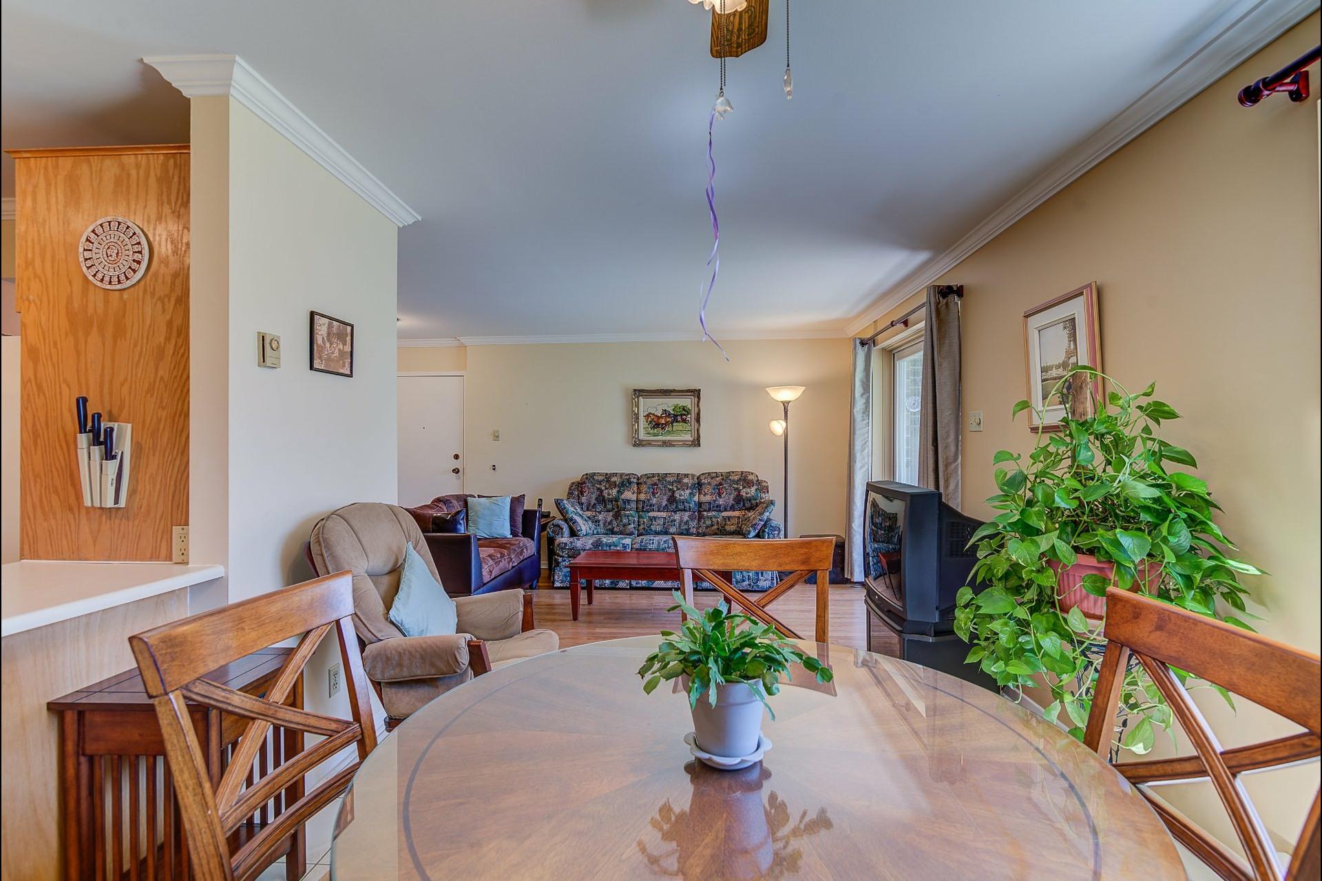 image 8 - Appartement À vendre Laval Chomedey  - 7 pièces