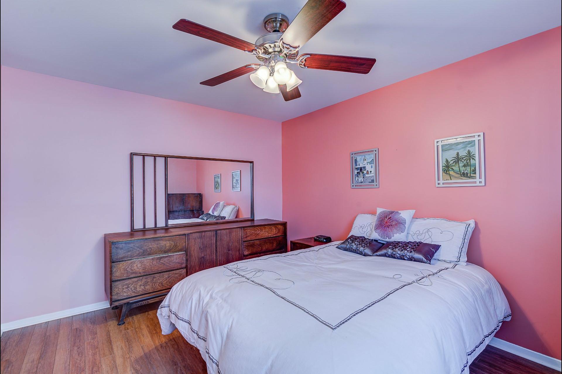 image 15 - Appartement À vendre Laval Chomedey  - 7 pièces