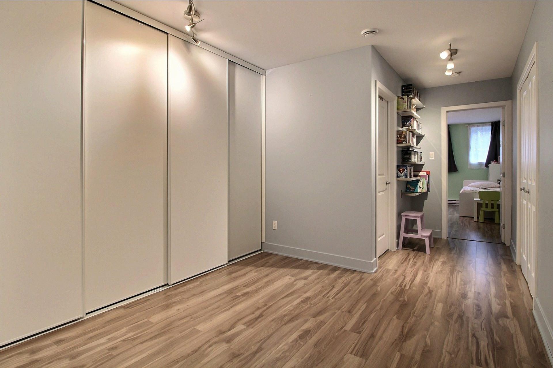 image 17 - Apartment For sale Montréal Le Sud-Ouest  - 8 rooms