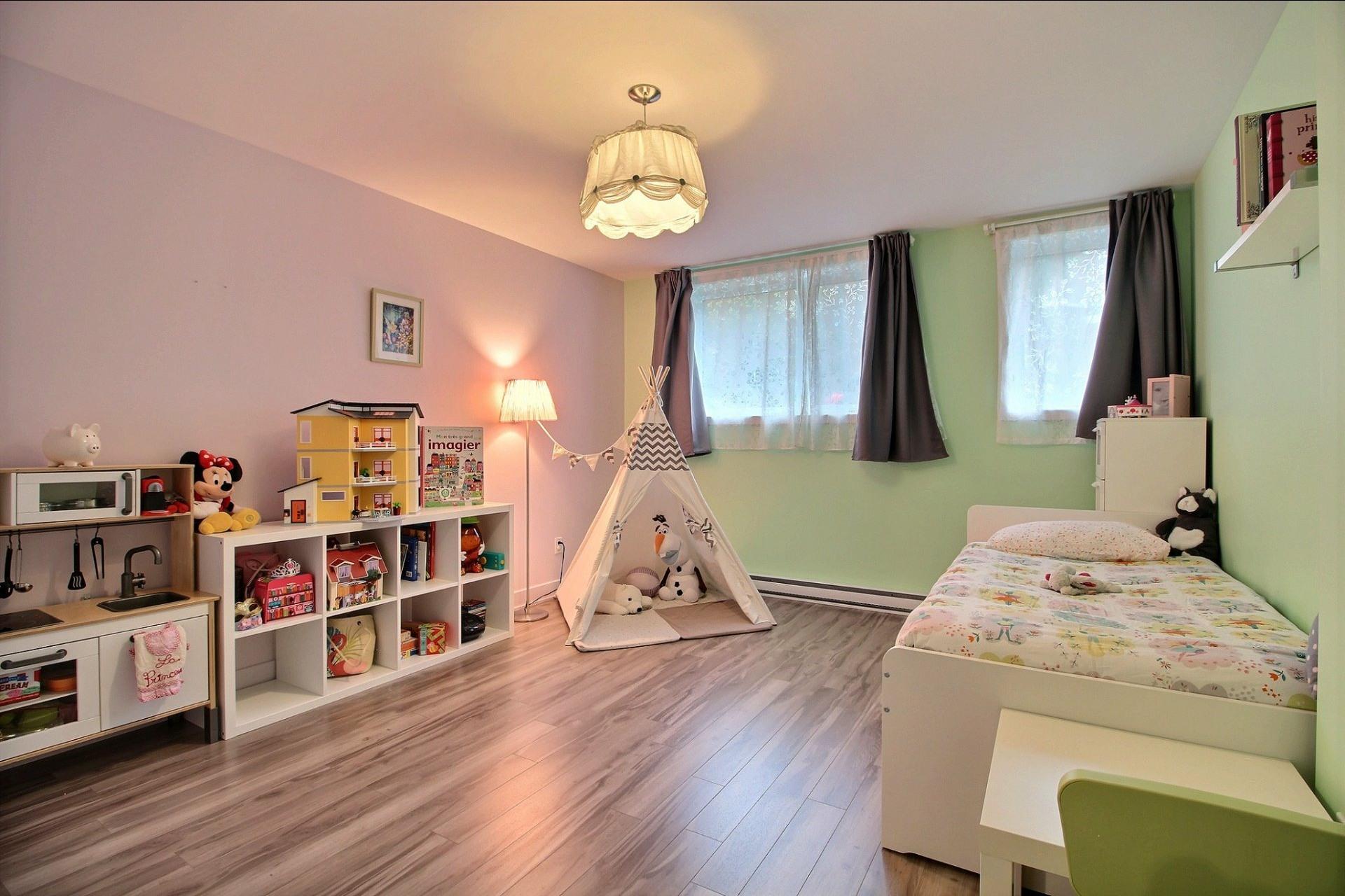 image 11 - Apartment For sale Montréal Le Sud-Ouest  - 8 rooms