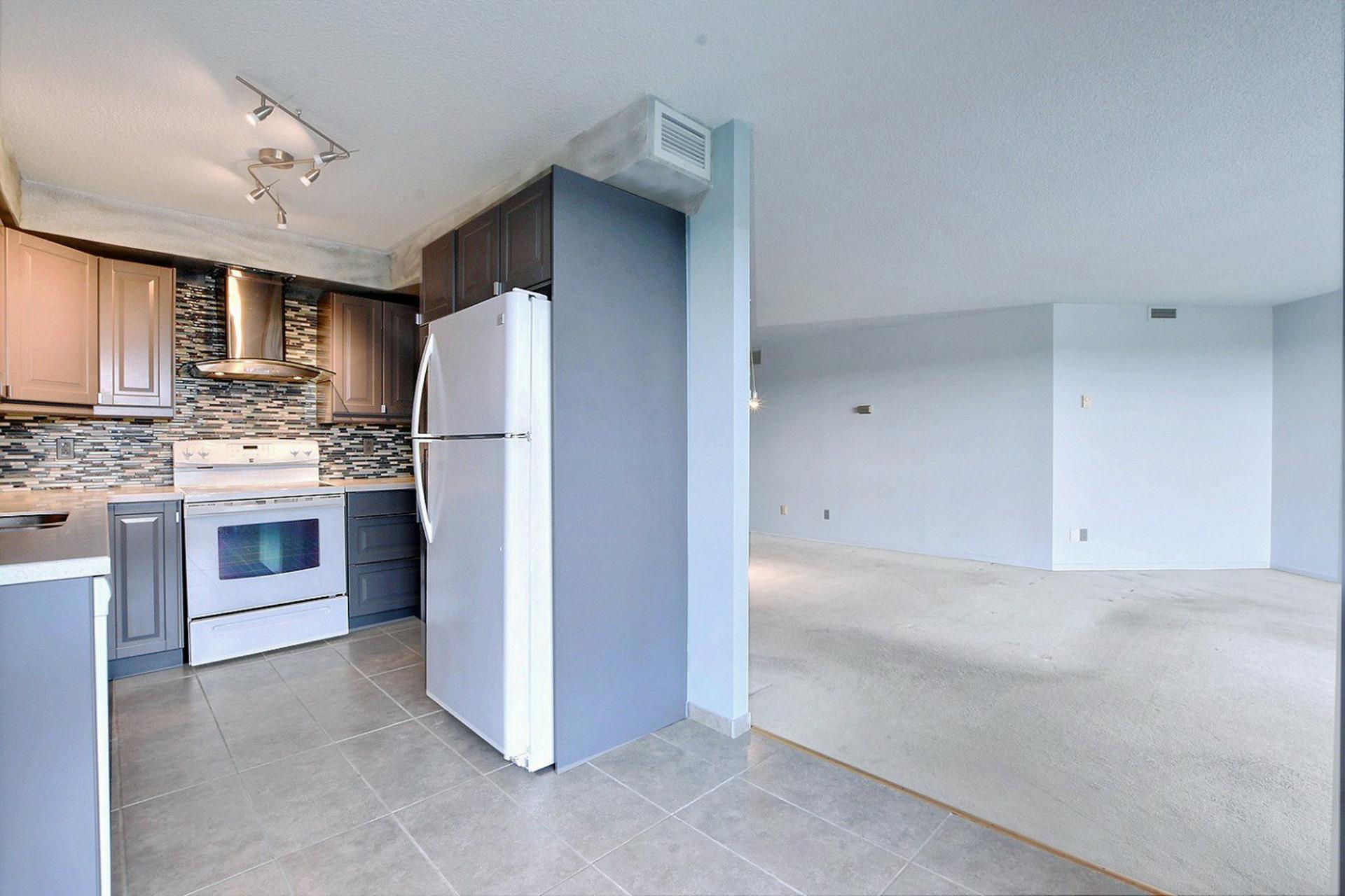 image 3 - Appartement À vendre Montréal Montréal-Nord  - 6 pièces