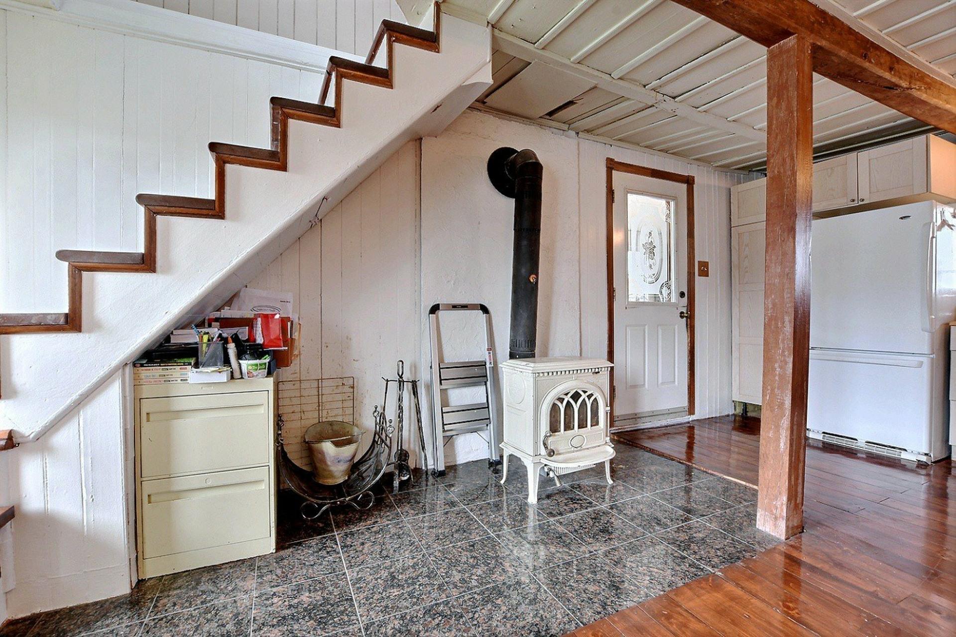 image 2 - Maison À vendre Saint-Joseph-du-Lac - 8 pièces
