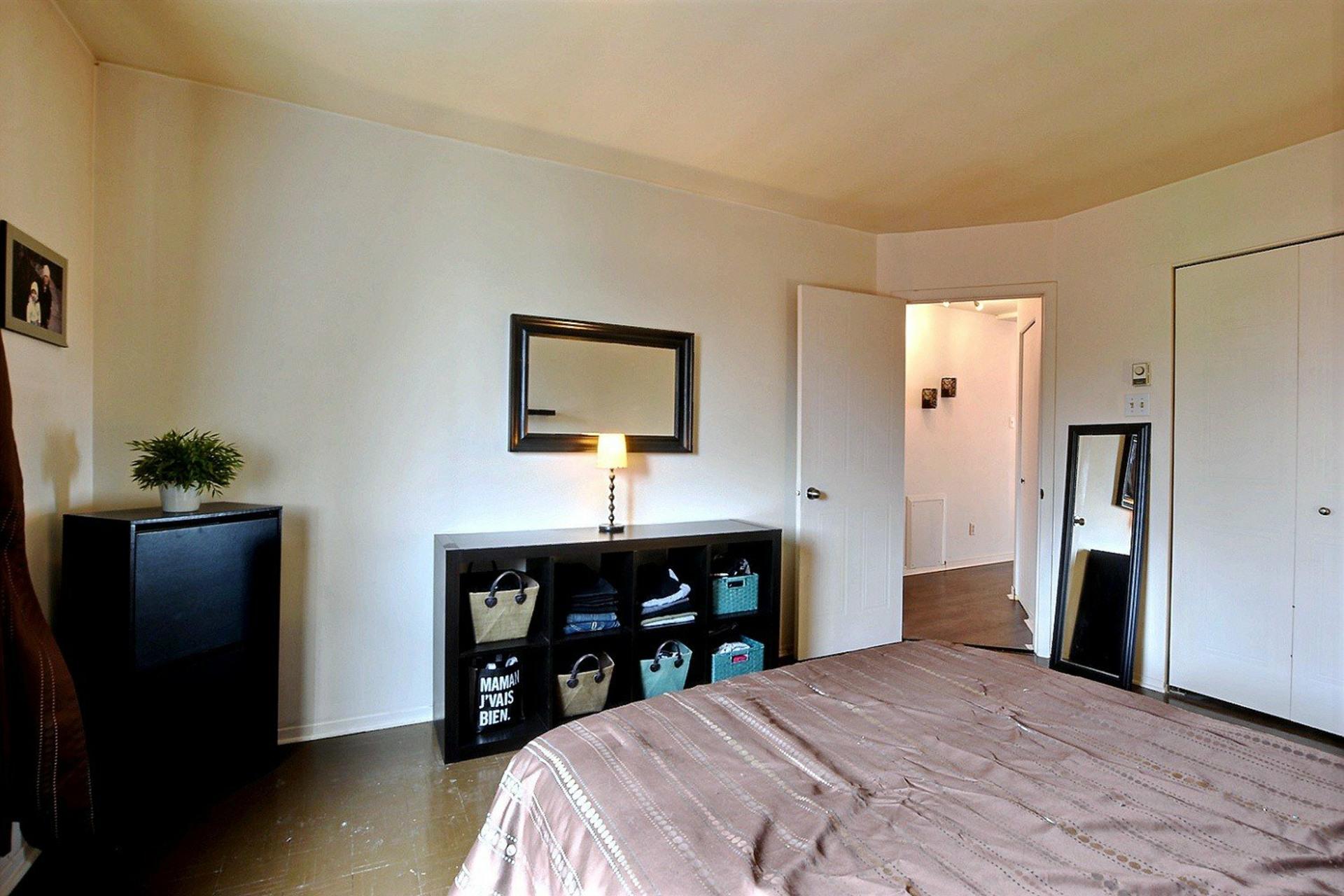 image 15 - Appartement À vendre Montréal Le Plateau-Mont-Royal  - 5 pièces