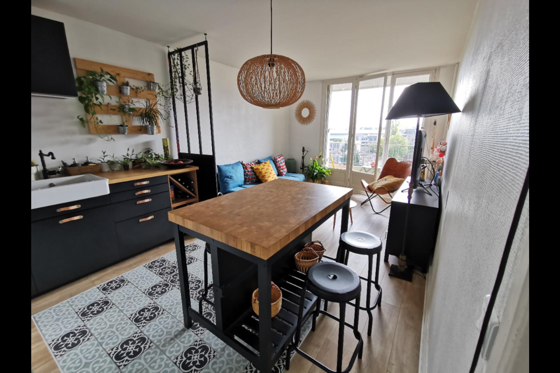 image 0 - Apartment For sale saint-germain-en-laye - 4 rooms
