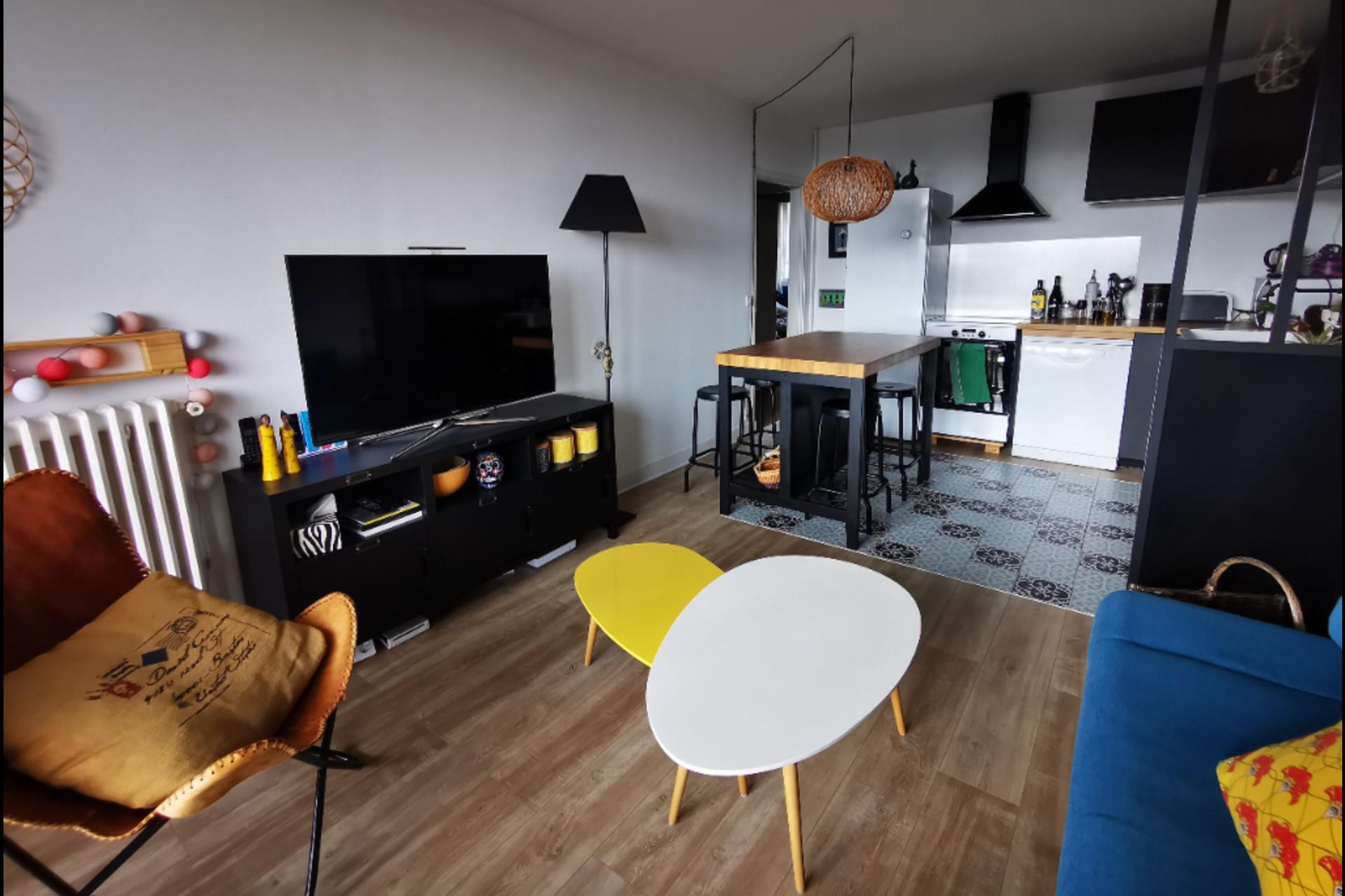image 1 - Apartment For sale saint-germain-en-laye - 4 rooms
