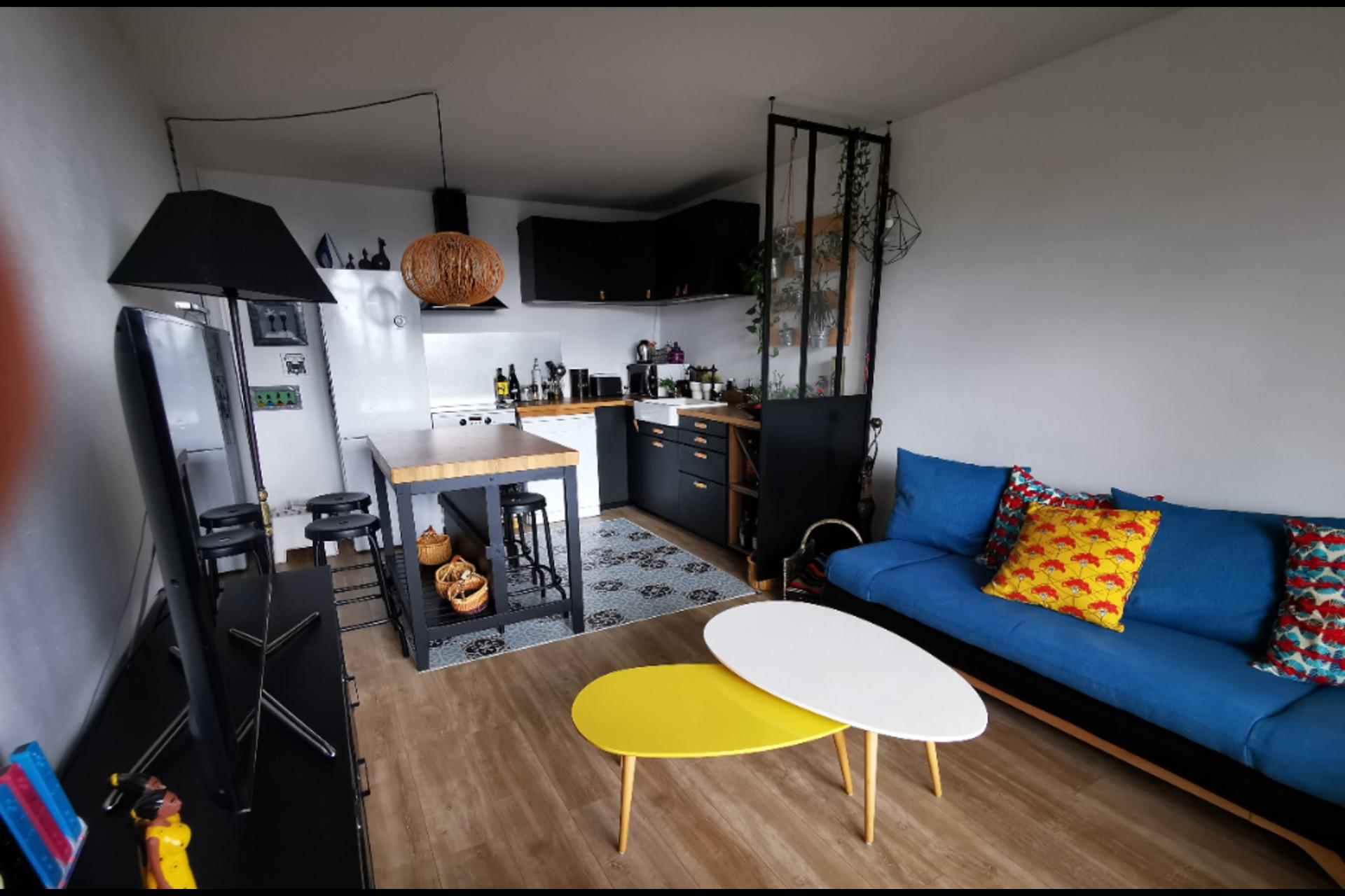 image 2 - Apartment For sale saint-germain-en-laye - 4 rooms