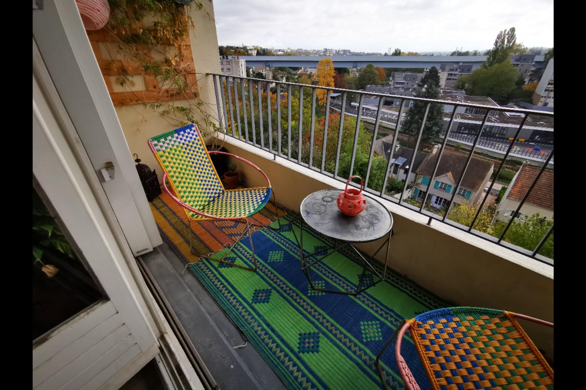 image 3 - Apartment For sale saint-germain-en-laye - 4 rooms