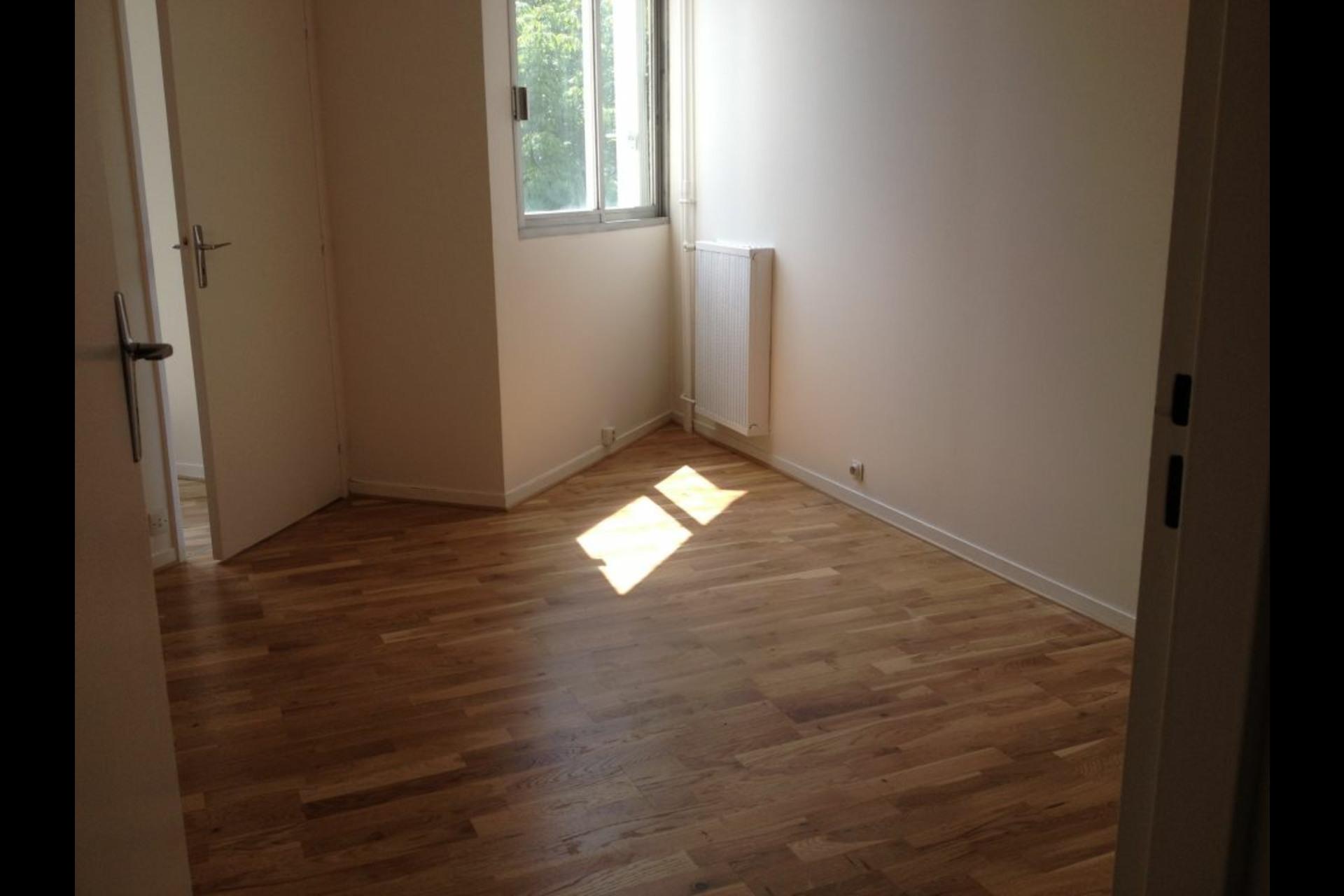 image 2 - Apartment For rent saint germain en laye - 3 rooms