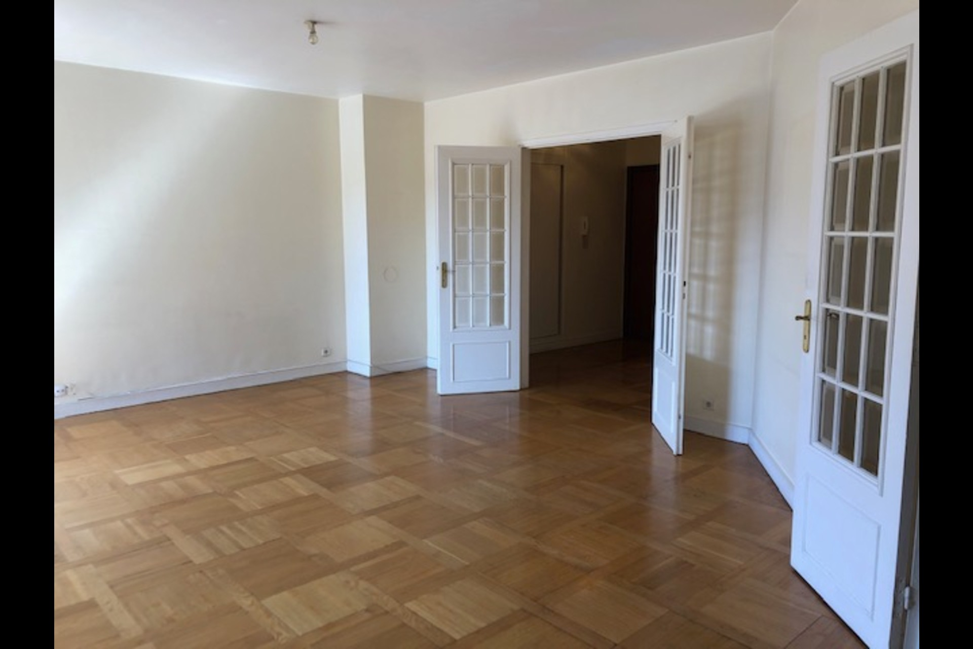 image 2 - Apartment For rent saint germain en laye - 5 rooms