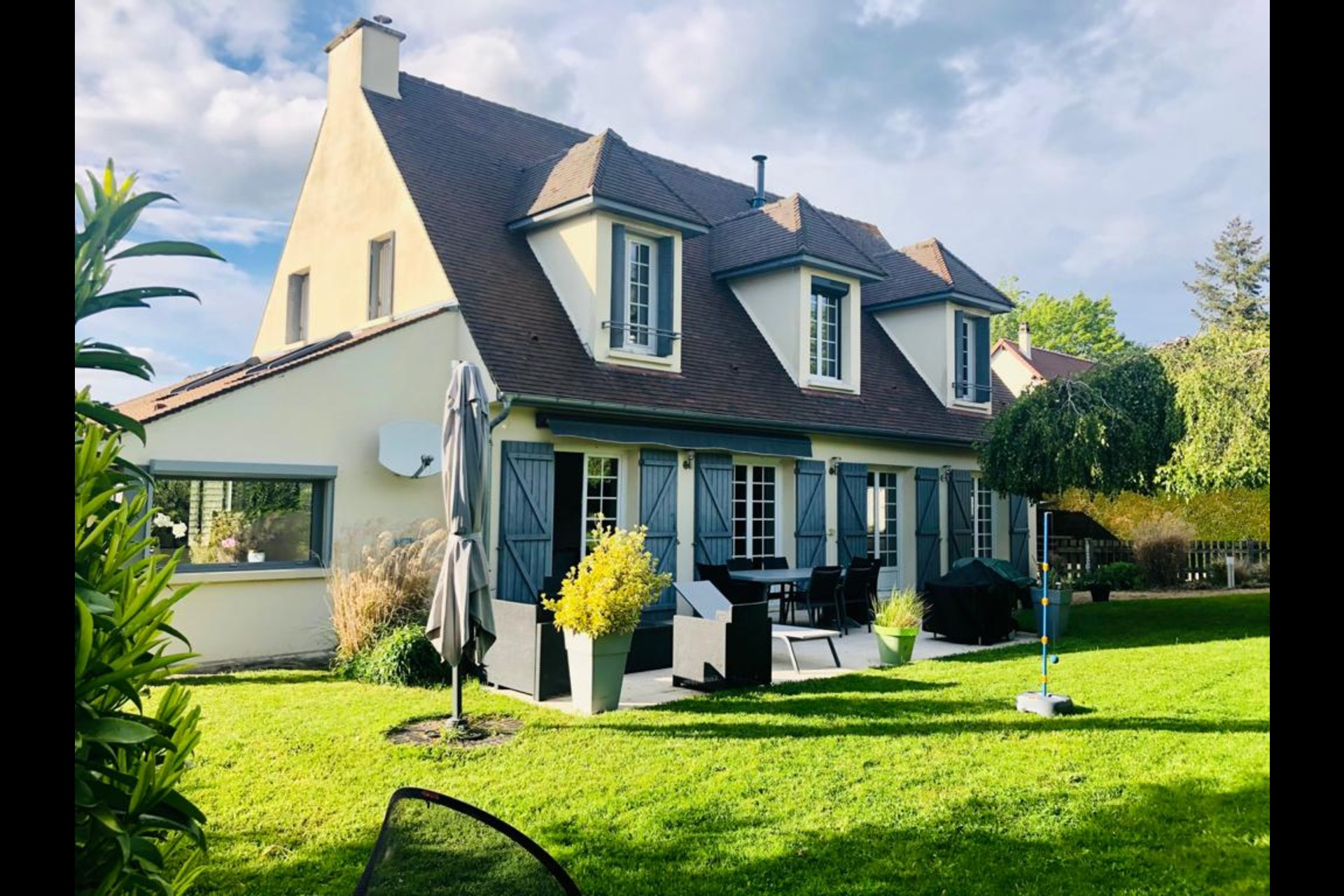 image 0 - House For sale crespieres - 7 rooms