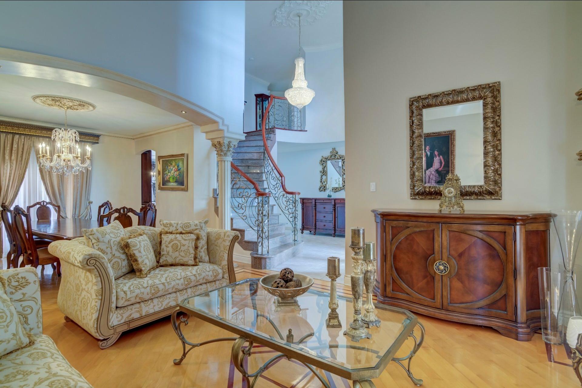 image 17 - Maison À vendre Duvernay Laval  - 13 pièces