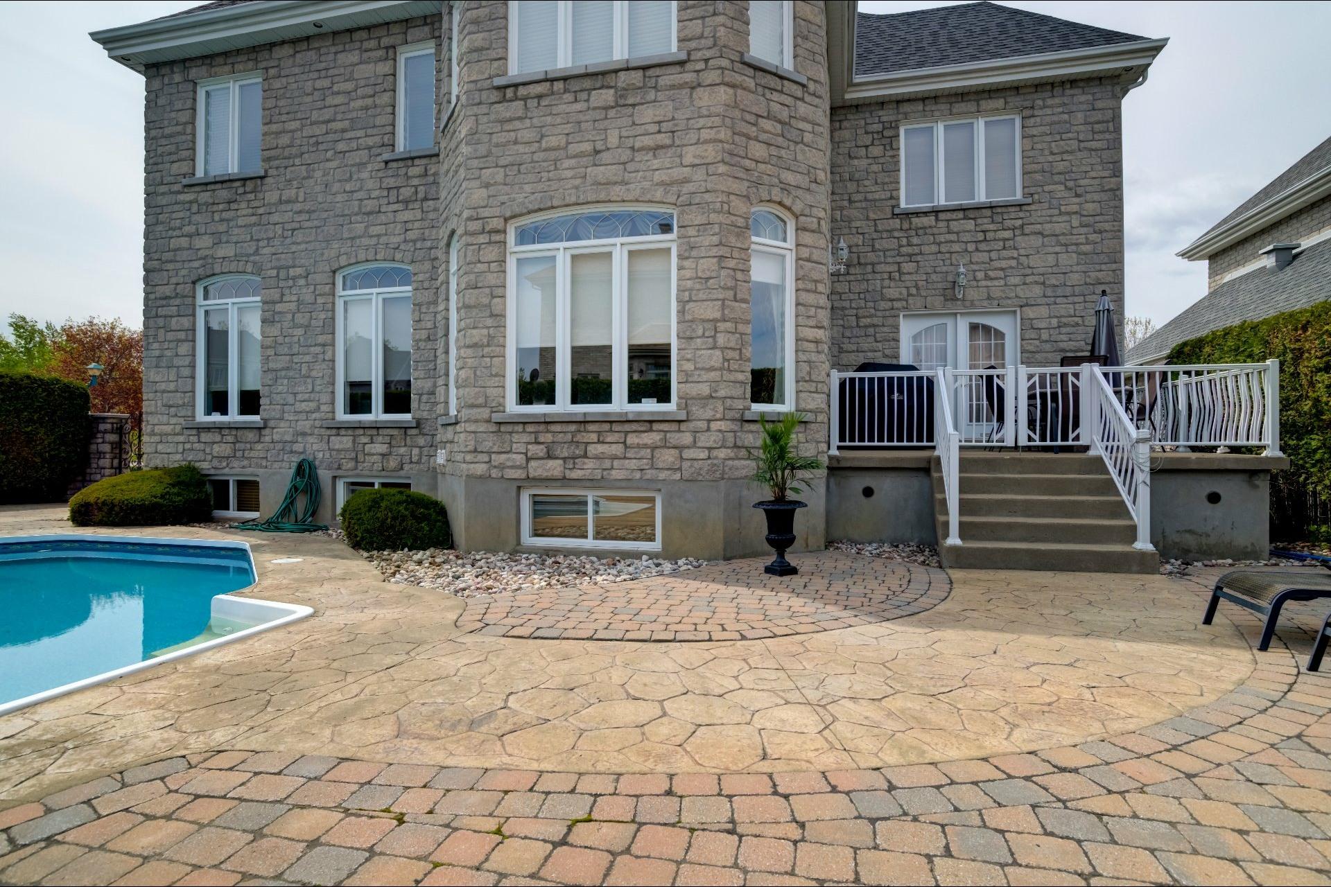 image 43 - Maison À vendre Duvernay Laval  - 13 pièces