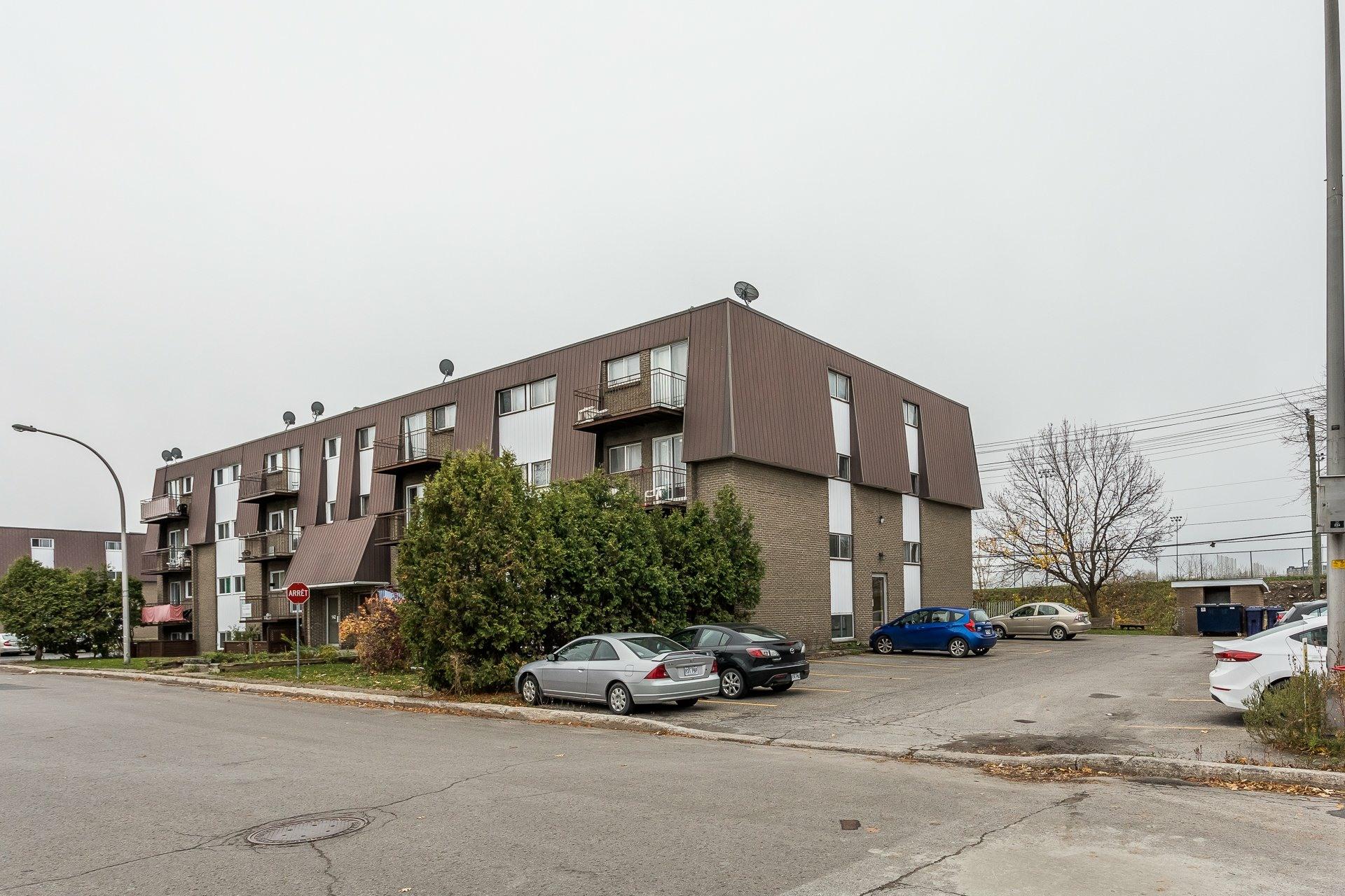 image 1 - Immeuble à revenus À vendre Pont-Viau Laval  - 1 pièce
