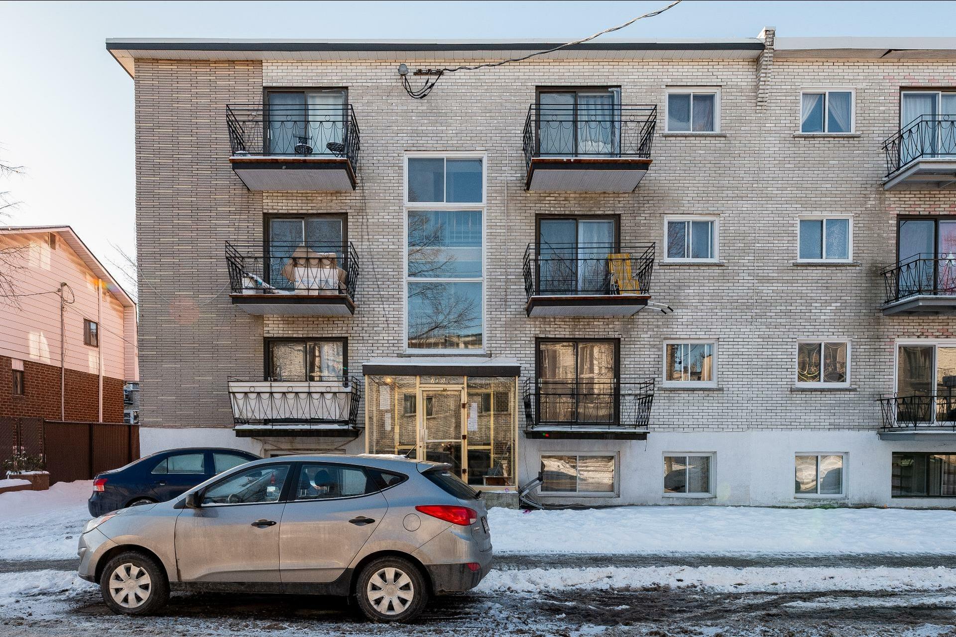 image 4 - Immeuble à revenus À vendre Anjou Montréal  - 5 pièces