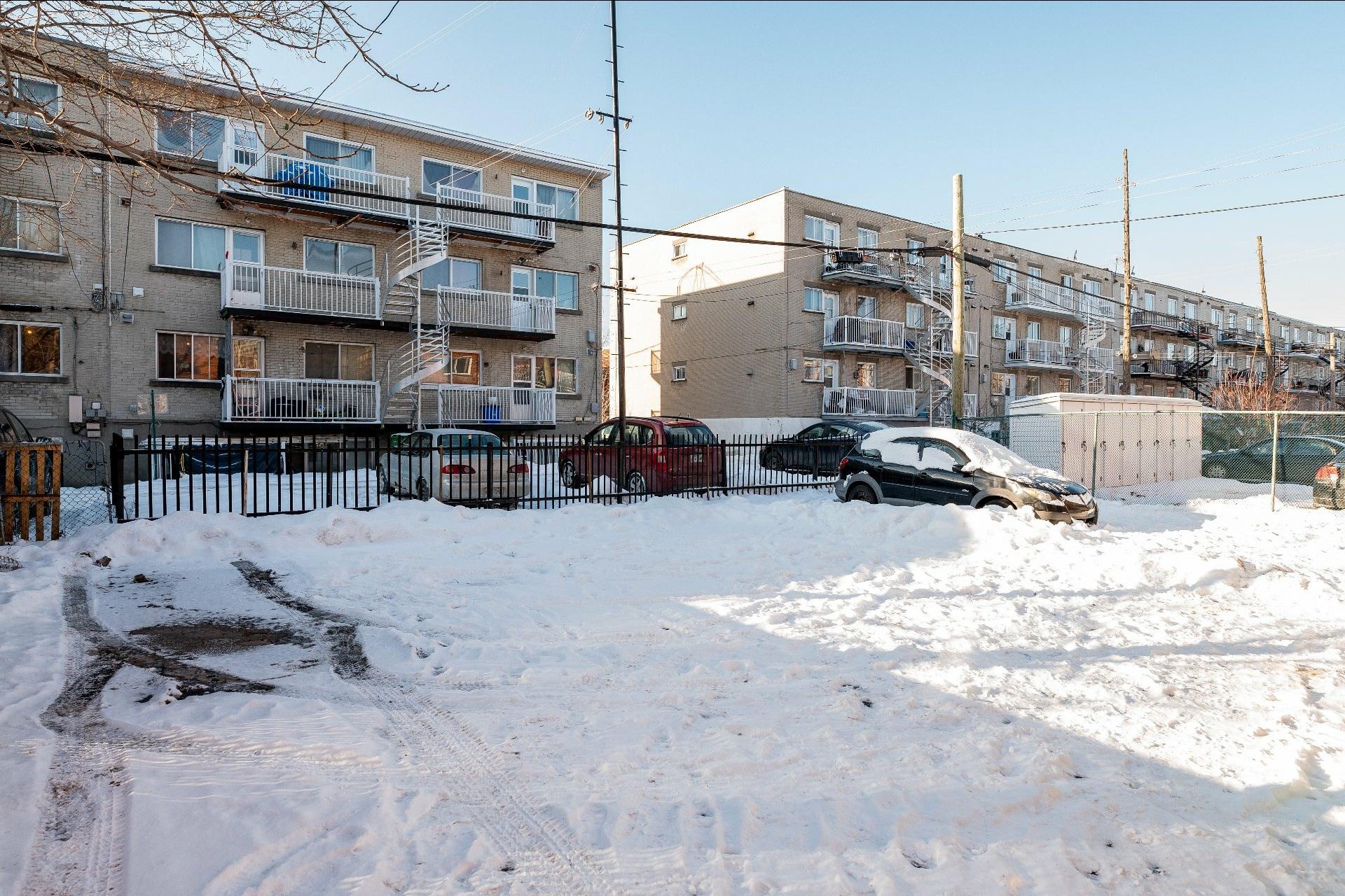 image 13 - Immeuble à revenus À vendre Anjou Montréal  - 5 pièces