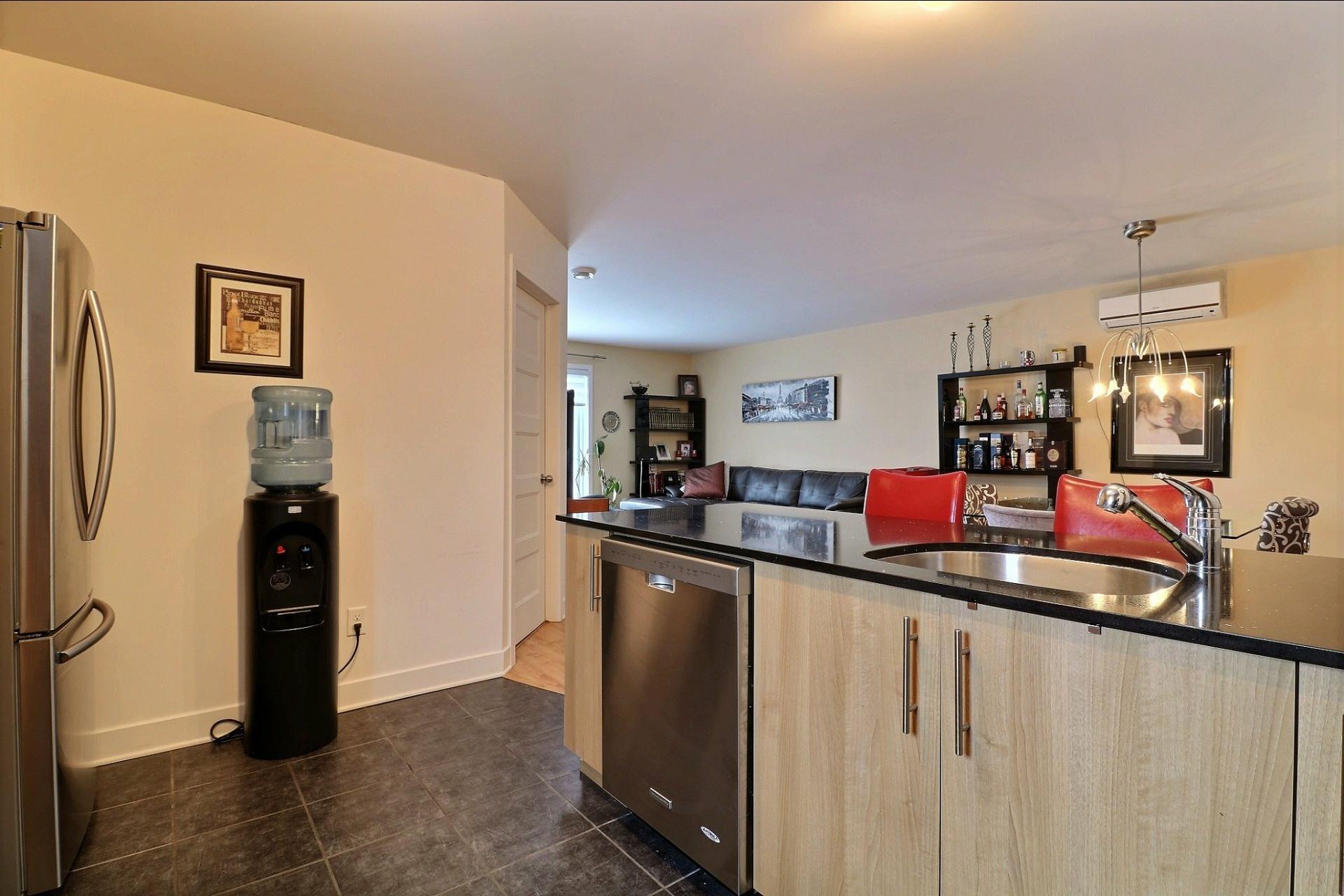 image 9 - Appartement À vendre Auteuil Laval  - 7 pièces