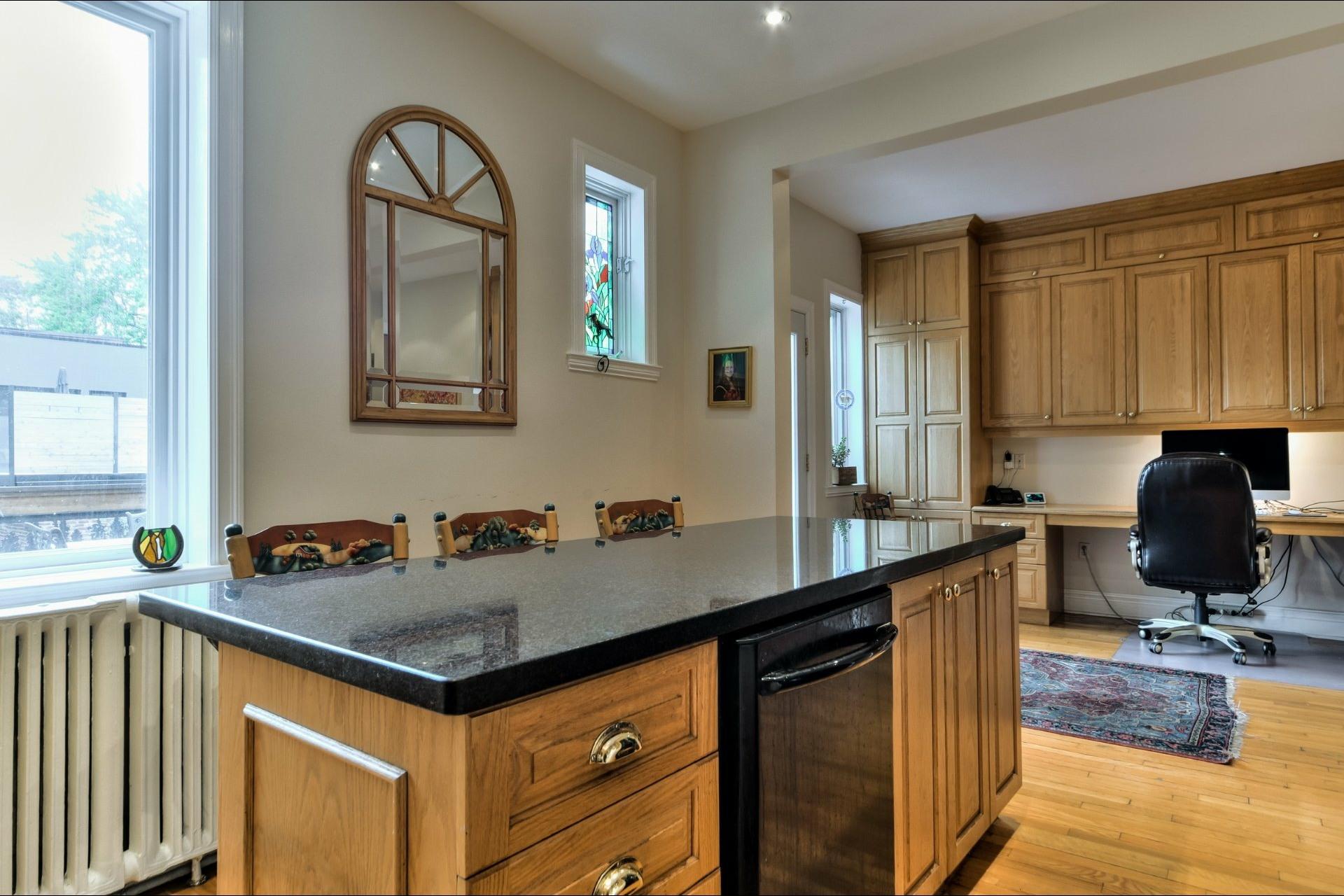 image 14 - House For sale Côte-des-Neiges/Notre-Dame-de-Grâce Montréal  - 13 rooms