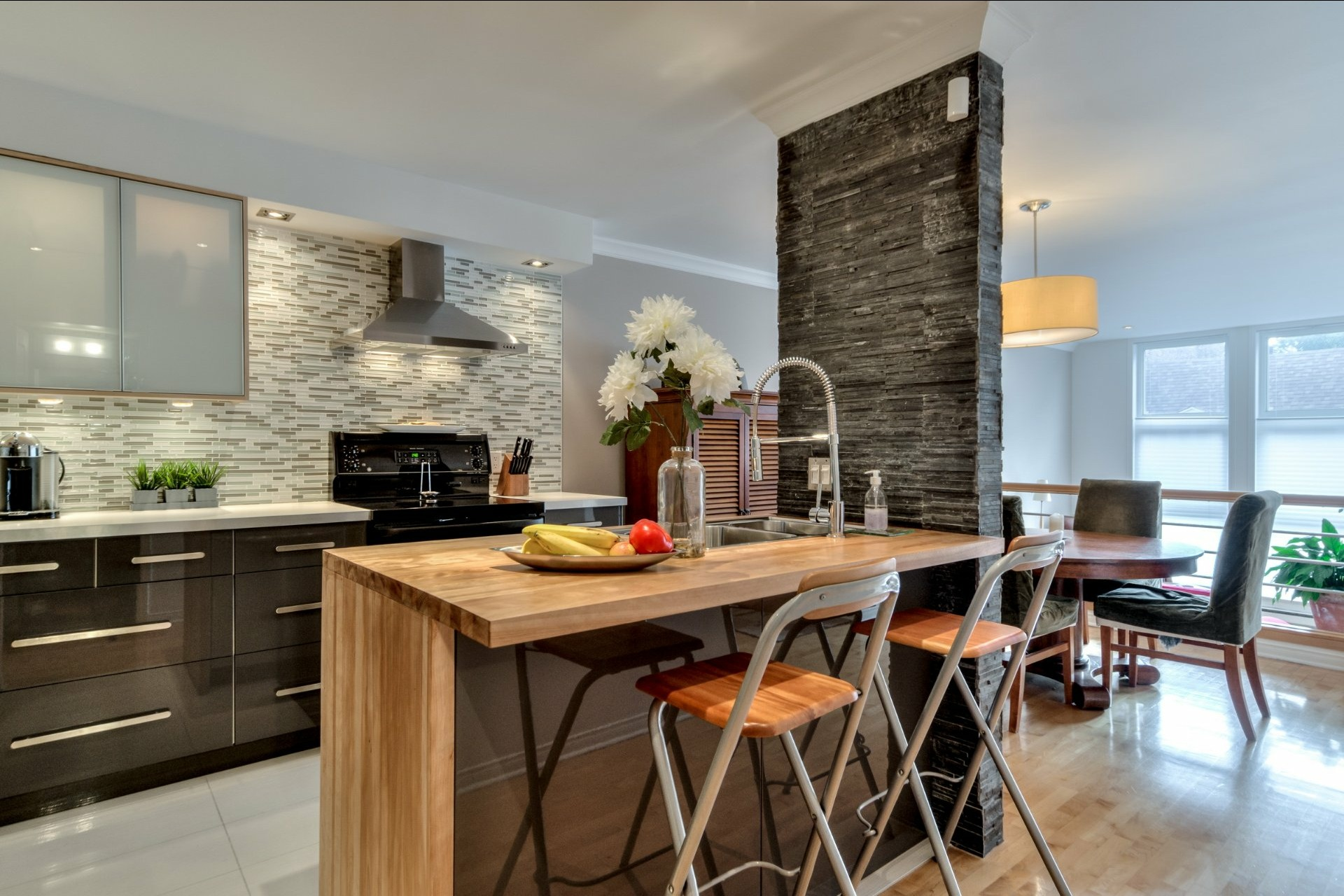image 2 - Apartment For sale Ville-Marie Montréal  - 5 rooms