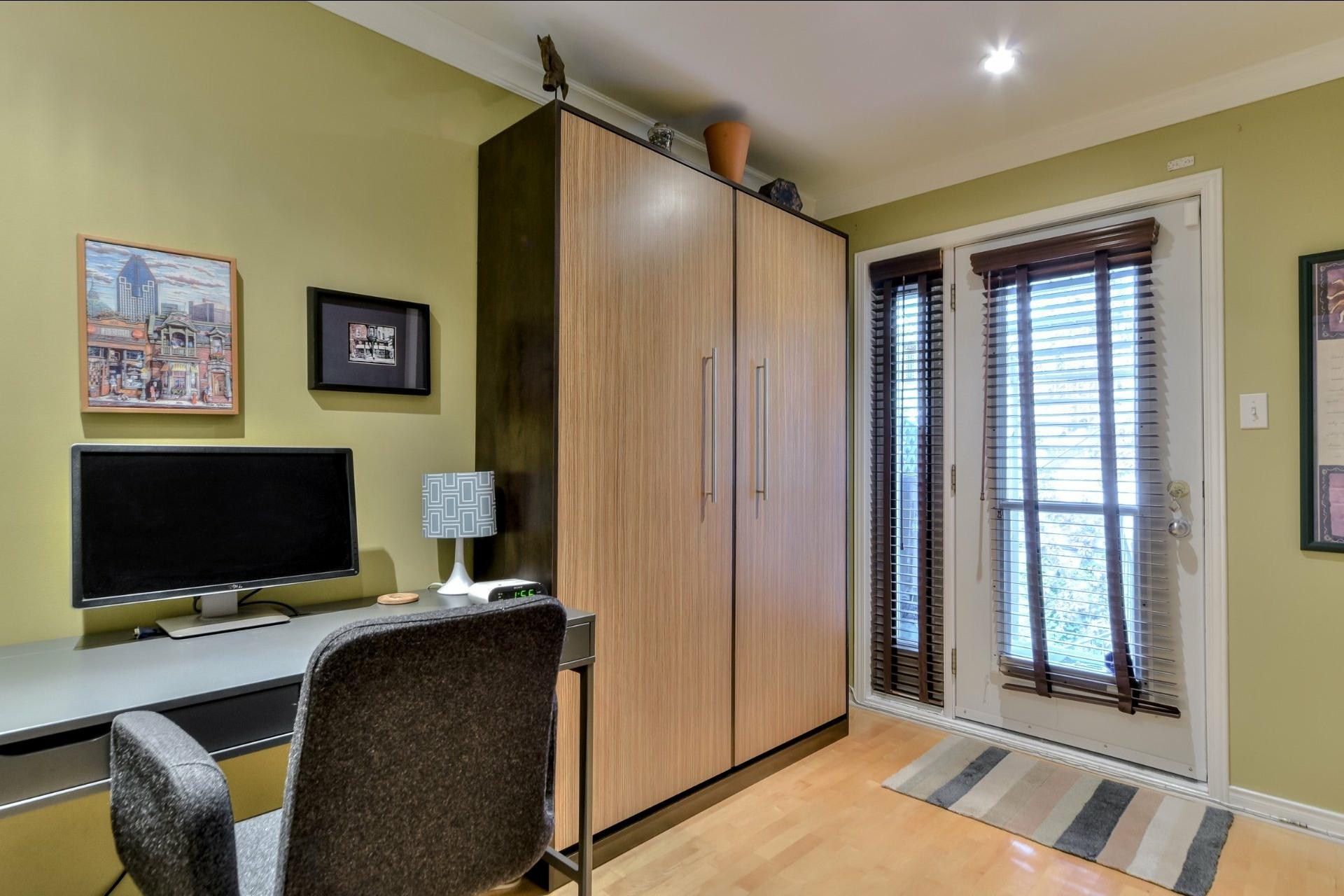 image 13 - Appartamento In Vendita Ville-Marie Montréal  - 5 stanze
