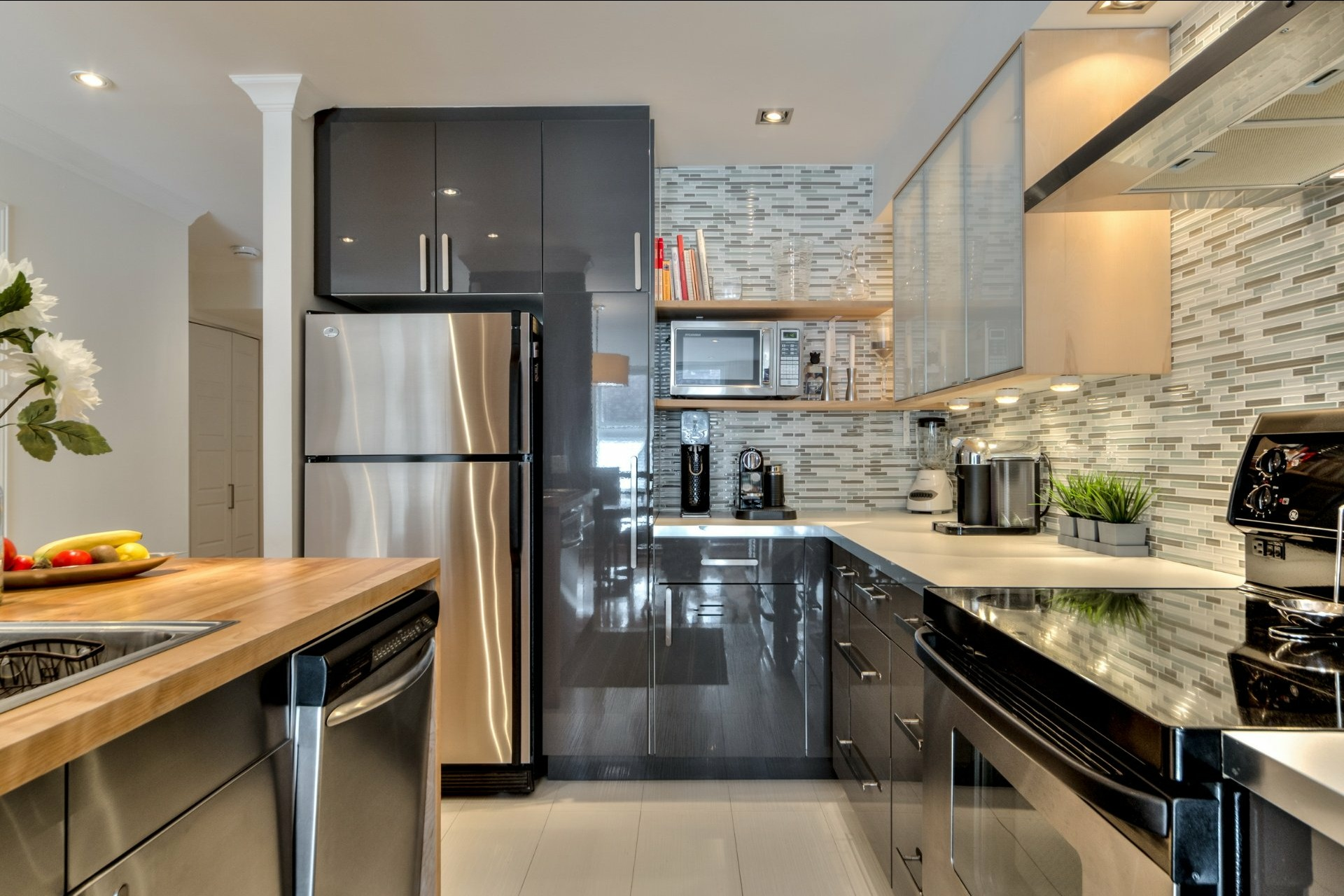 image 10 - Appartamento In Vendita Ville-Marie Montréal  - 5 stanze