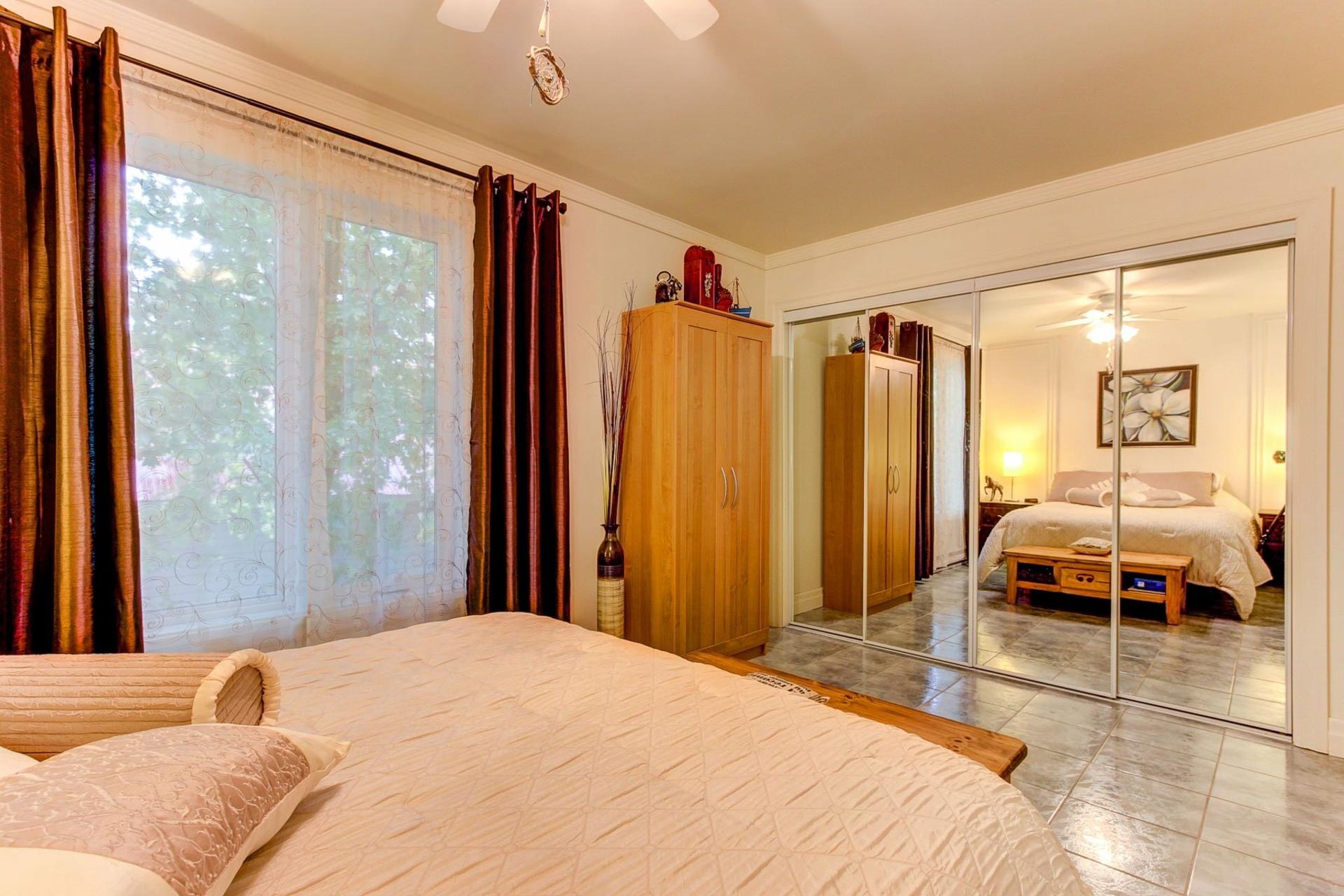 image 11 - House For sale Saint-Étienne-des-Grès - 8 rooms