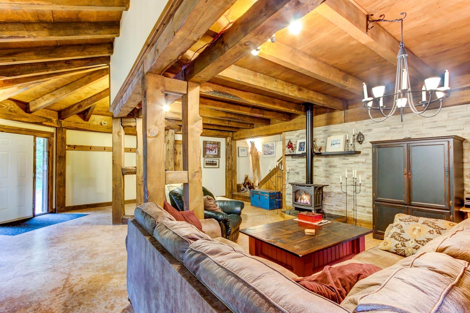 image 8 - Maison À vendre Notre-Dame-du-Mont-Carmel - 10 pièces