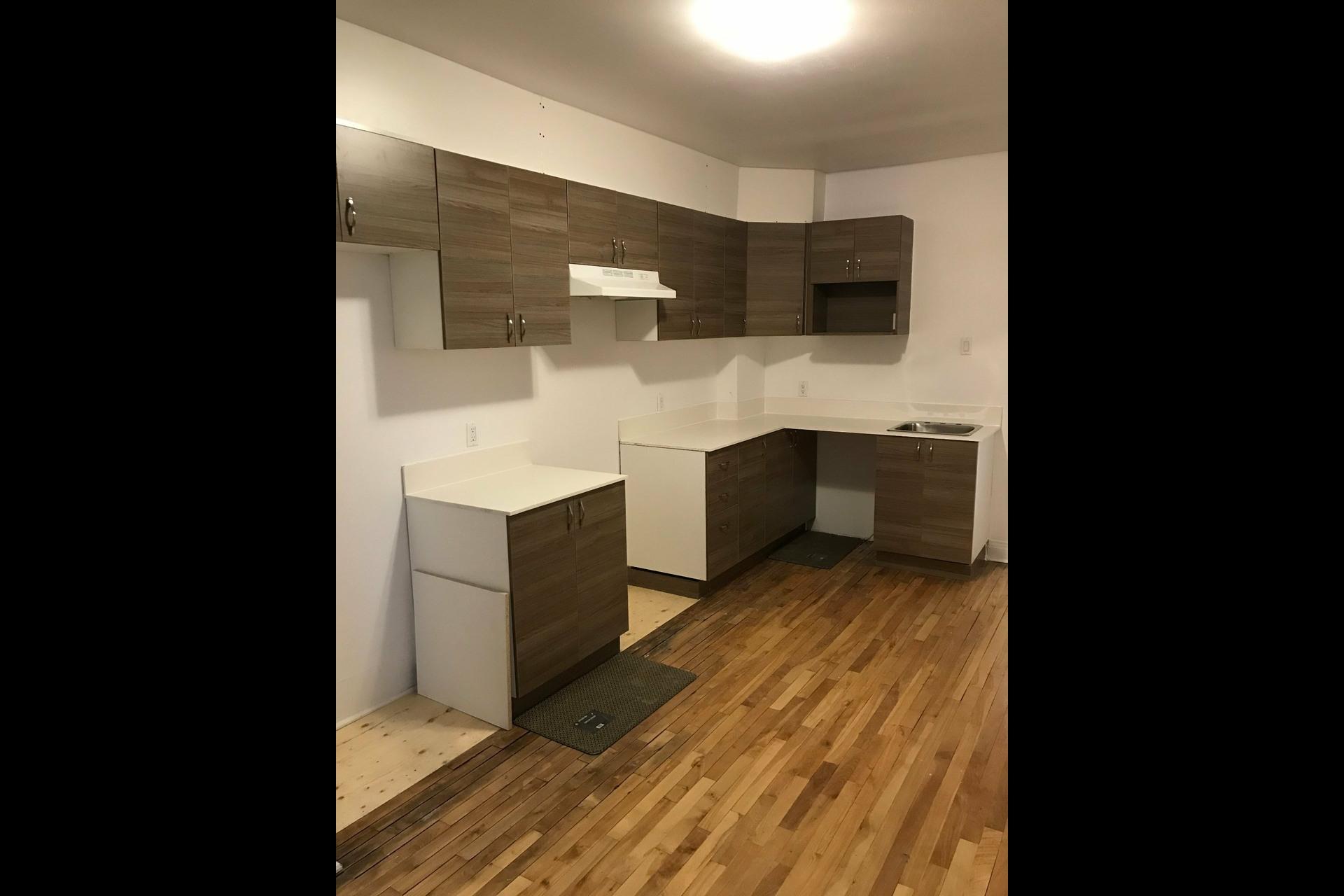 image 8 - Quadruplex For sale Verdun/Île-des-Sours Montréal  - 5 rooms