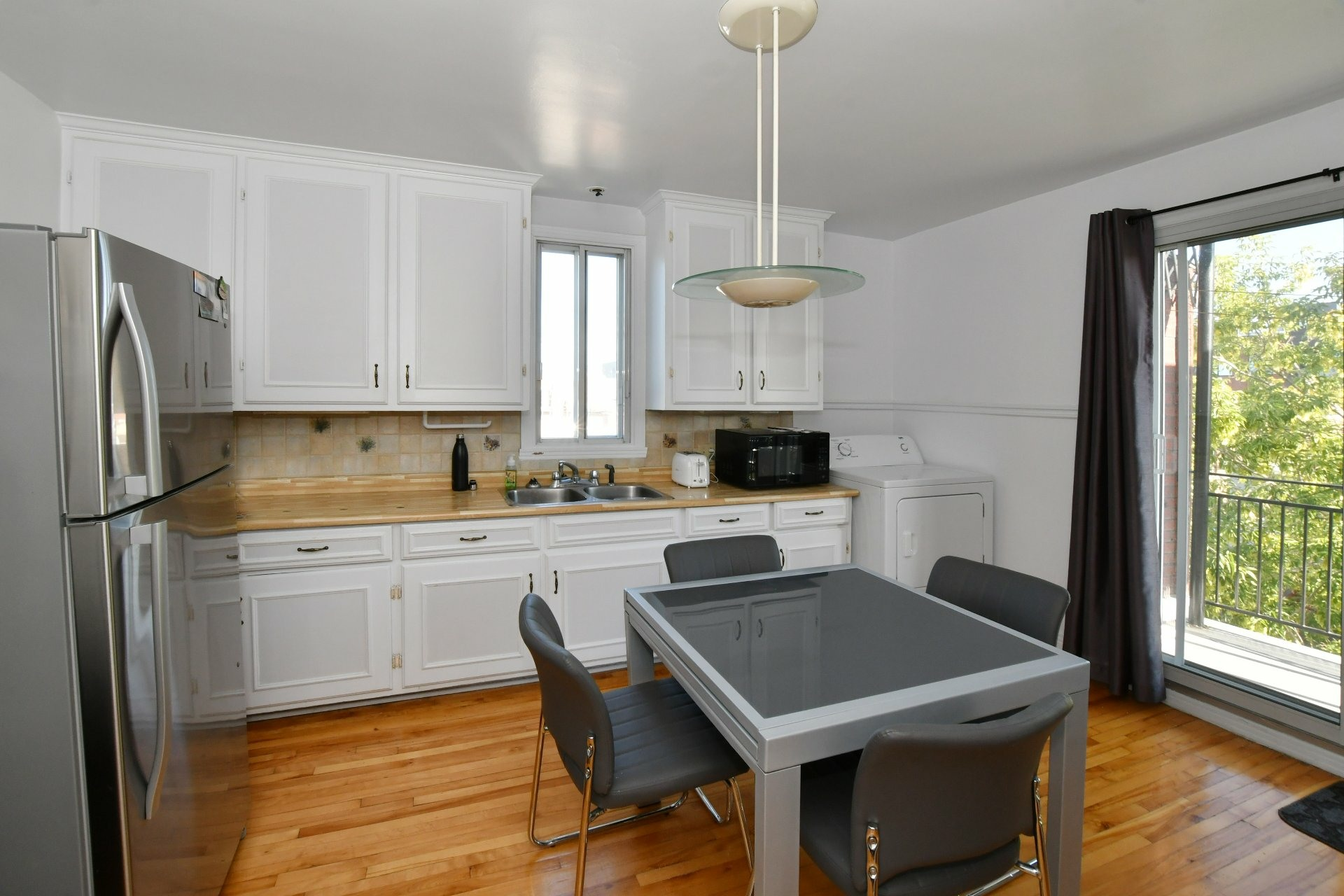image 2 - Income property For sale Villeray/Saint-Michel/Parc-Extension Montréal  - 4 rooms
