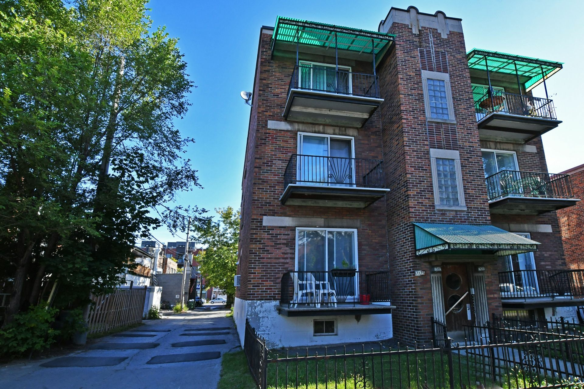 image 12 - Income property For sale Villeray/Saint-Michel/Parc-Extension Montréal  - 4 rooms
