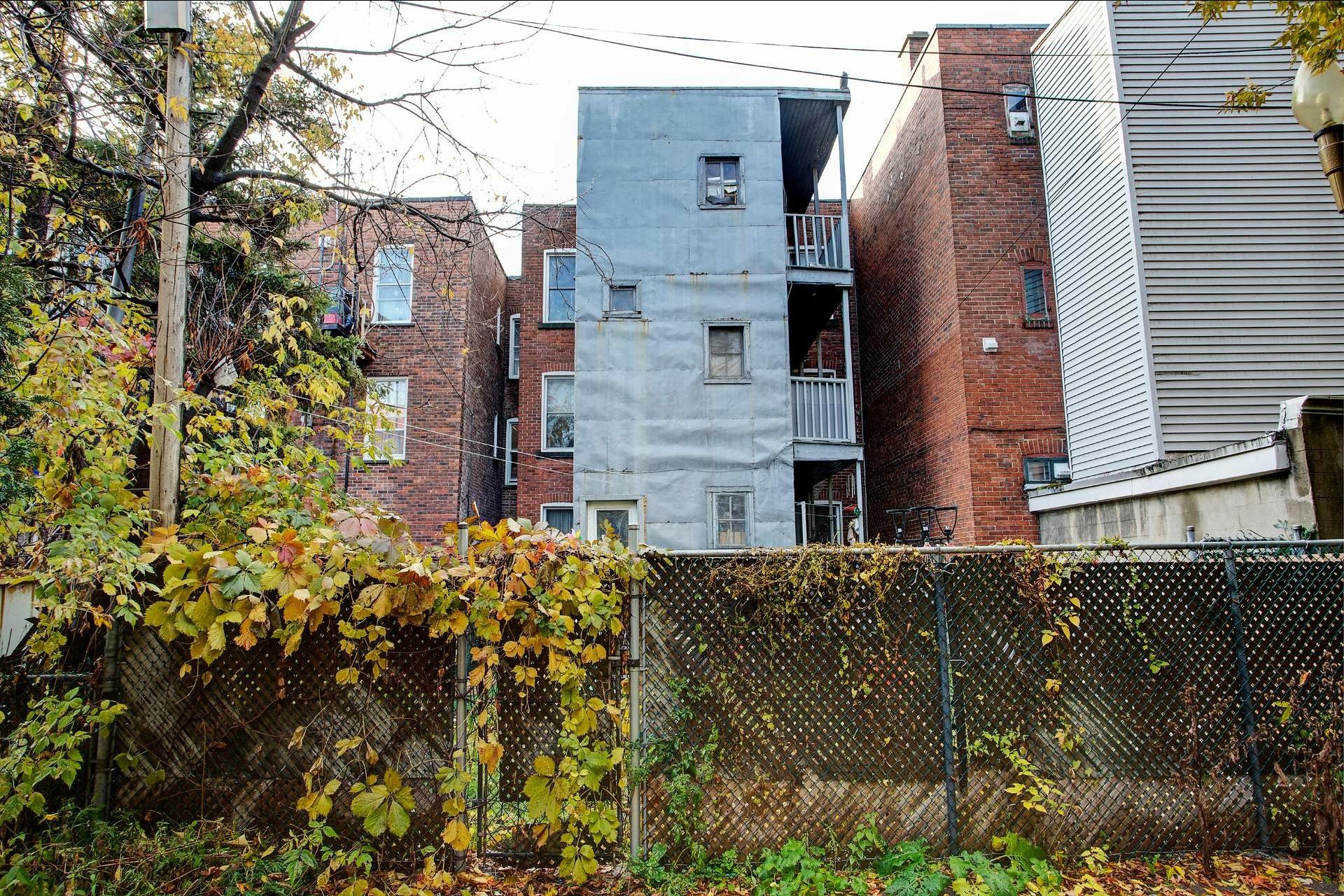 image 14 - Triplex For sale Le Sud-Ouest Montréal  - 6 rooms