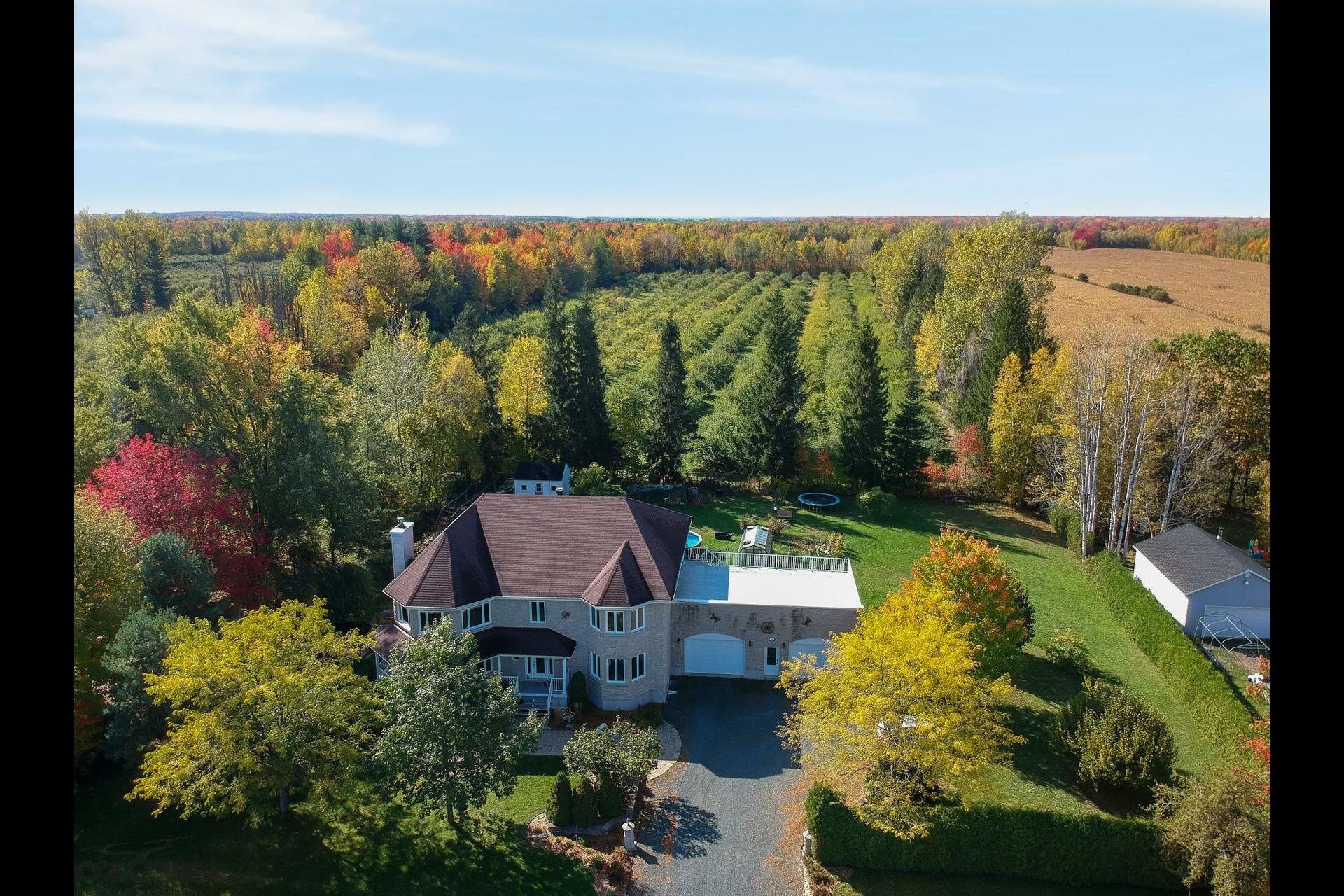 image 2 - House For sale Grand-Saint-Esprit