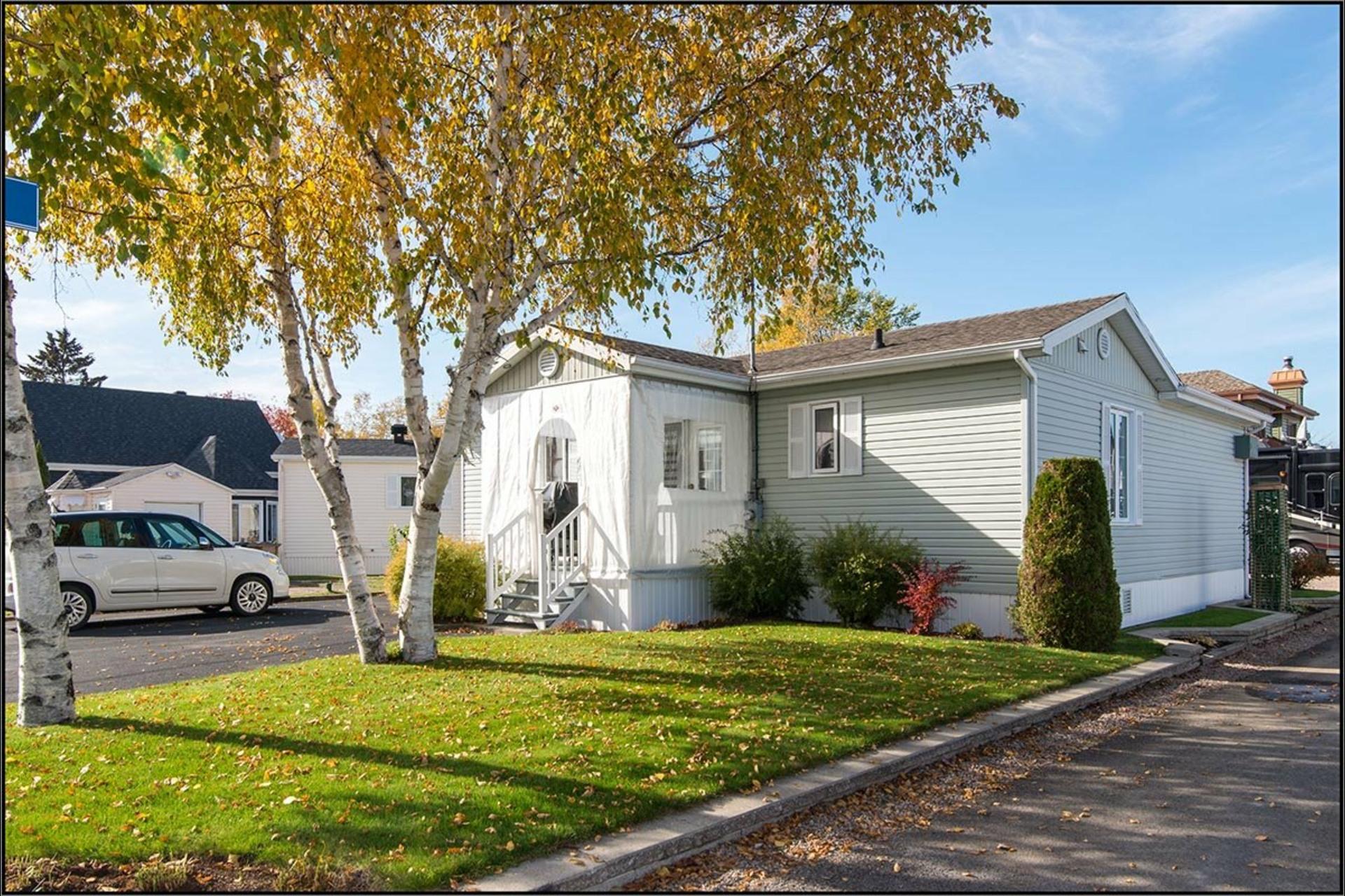 image 1 - House For sale Fossambault-sur-le-Lac - 7 rooms