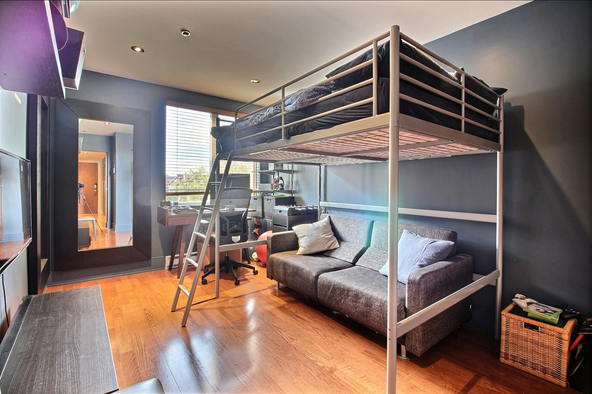 image 17 - Appartement À louer Ville-Marie Montréal  - 6 pièces