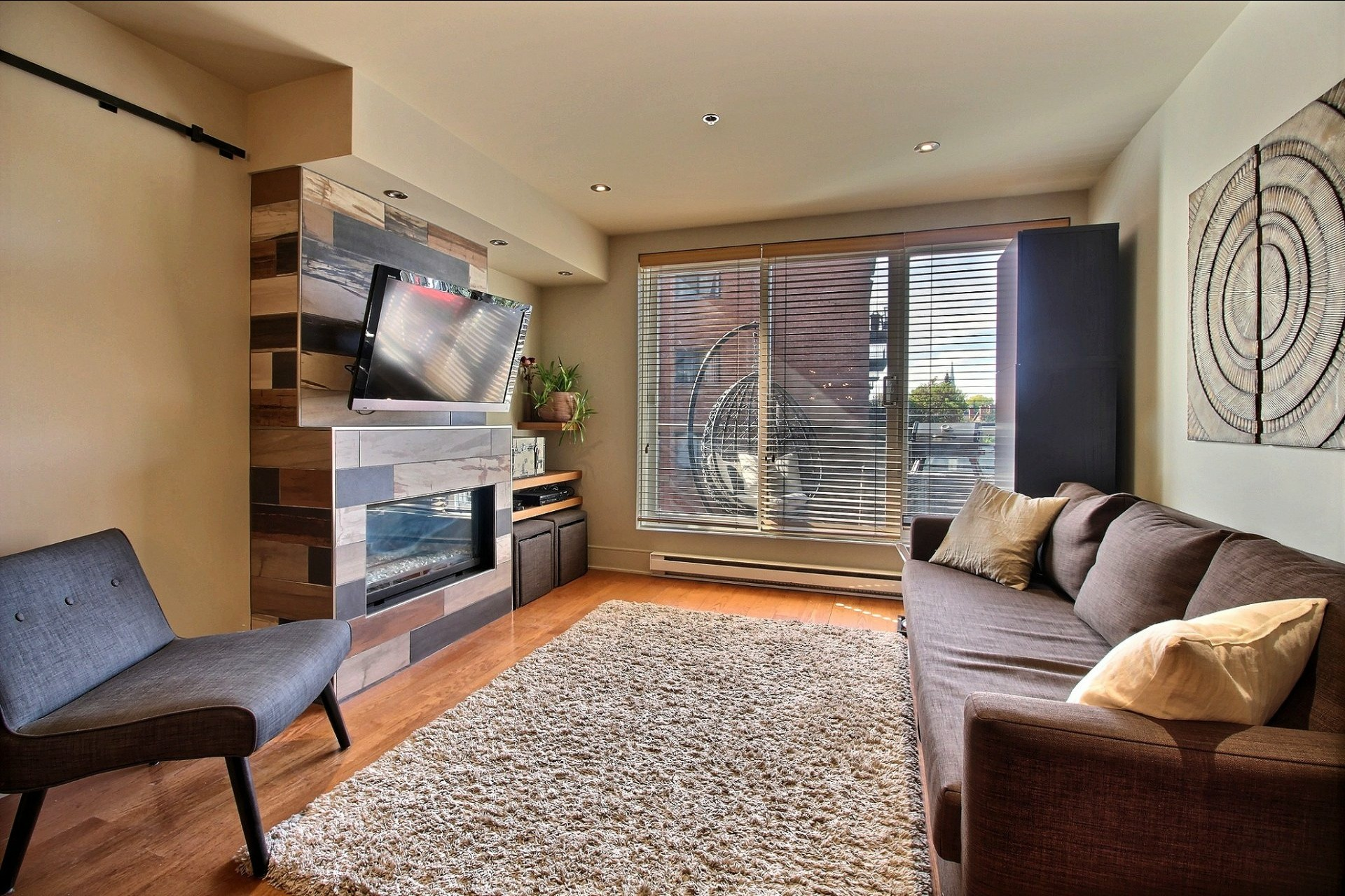 image 0 - Appartement À louer Ville-Marie Montréal  - 6 pièces