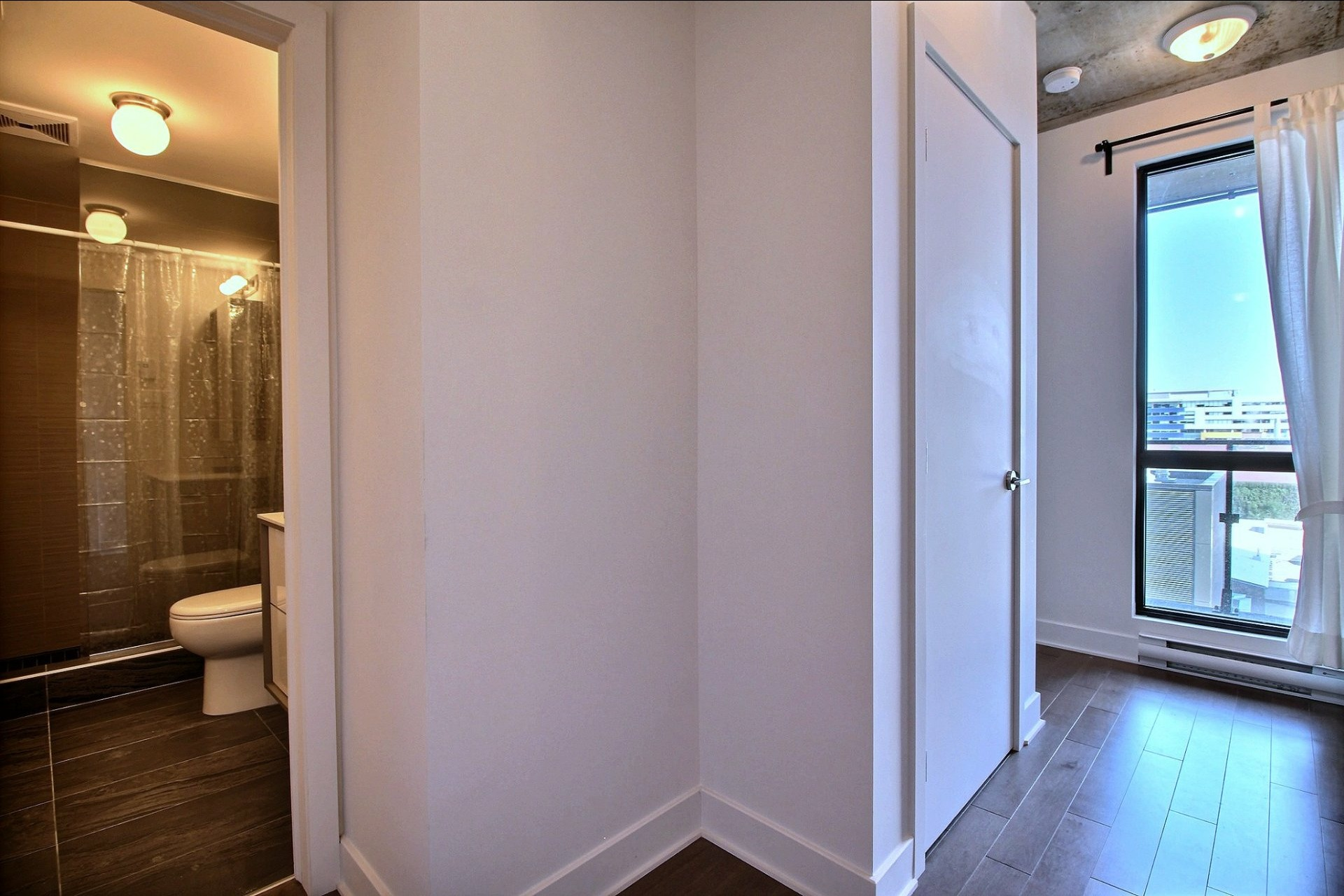 image 8 - Appartement À louer Le Sud-Ouest Montréal  - 6 pièces