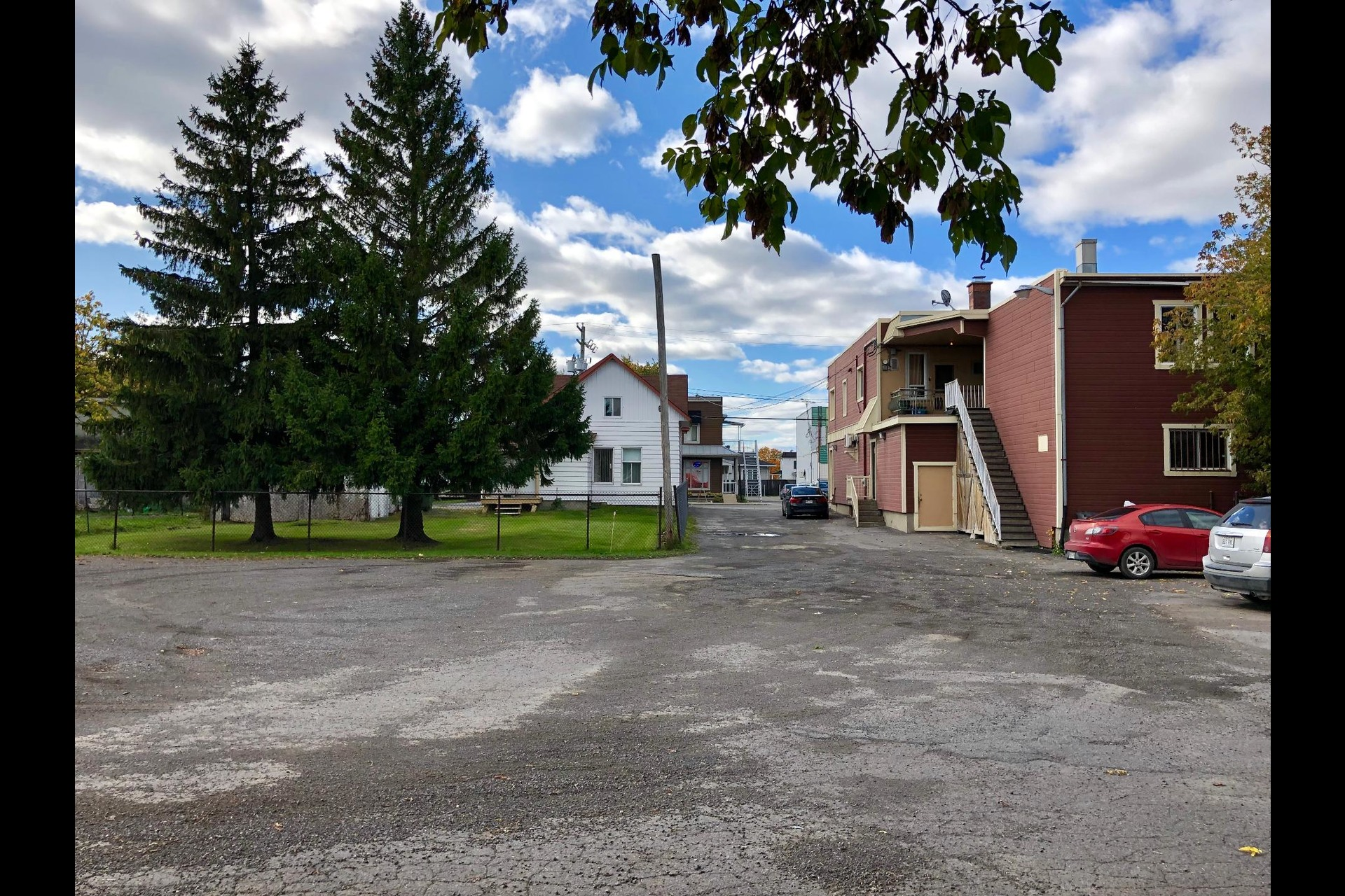 image 2 - Triplex For sale Saint-Lin/Laurentides - 3 rooms