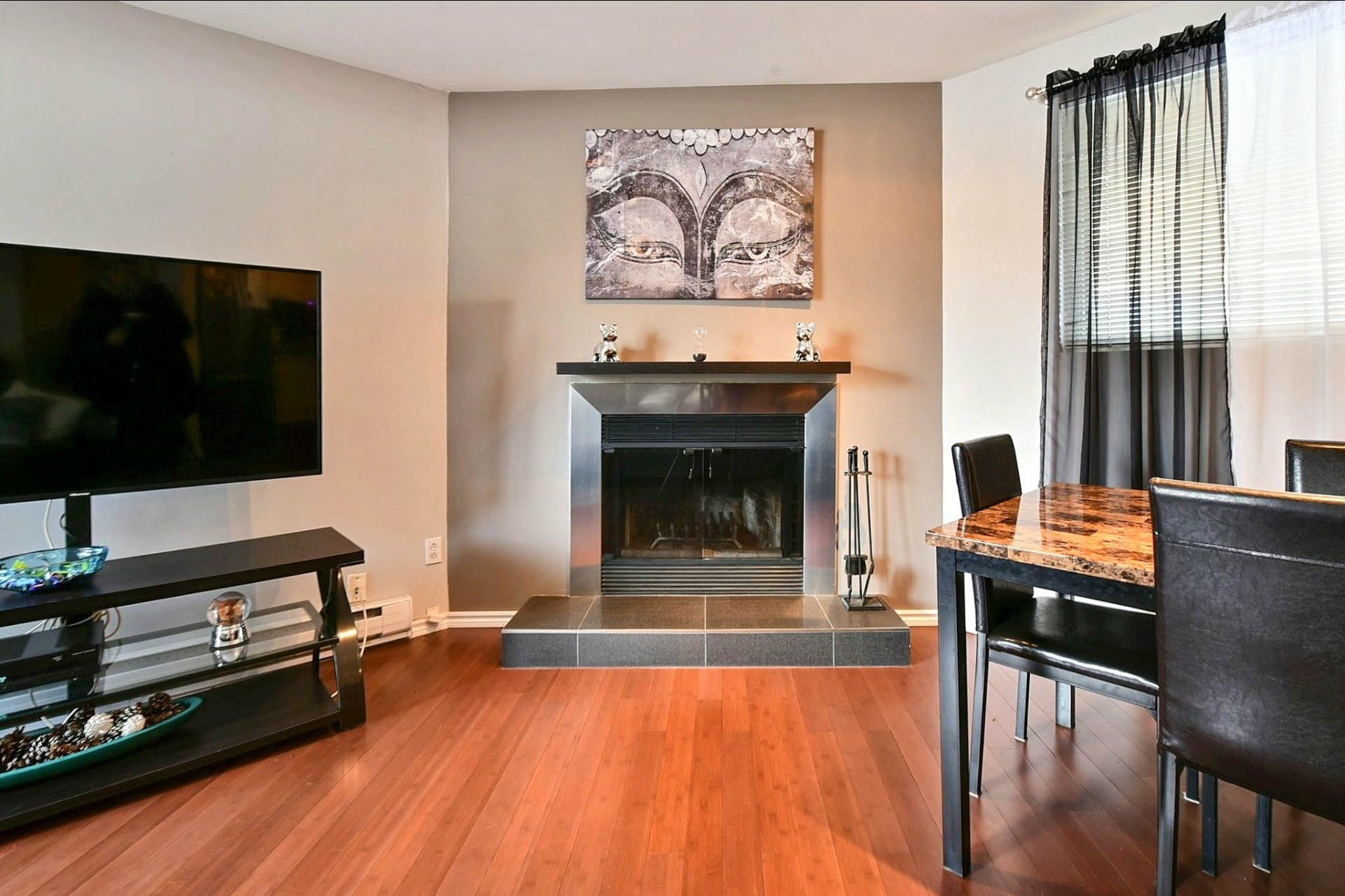 image 1 - Appartement À vendre Chomedey Laval  - 3 pièces