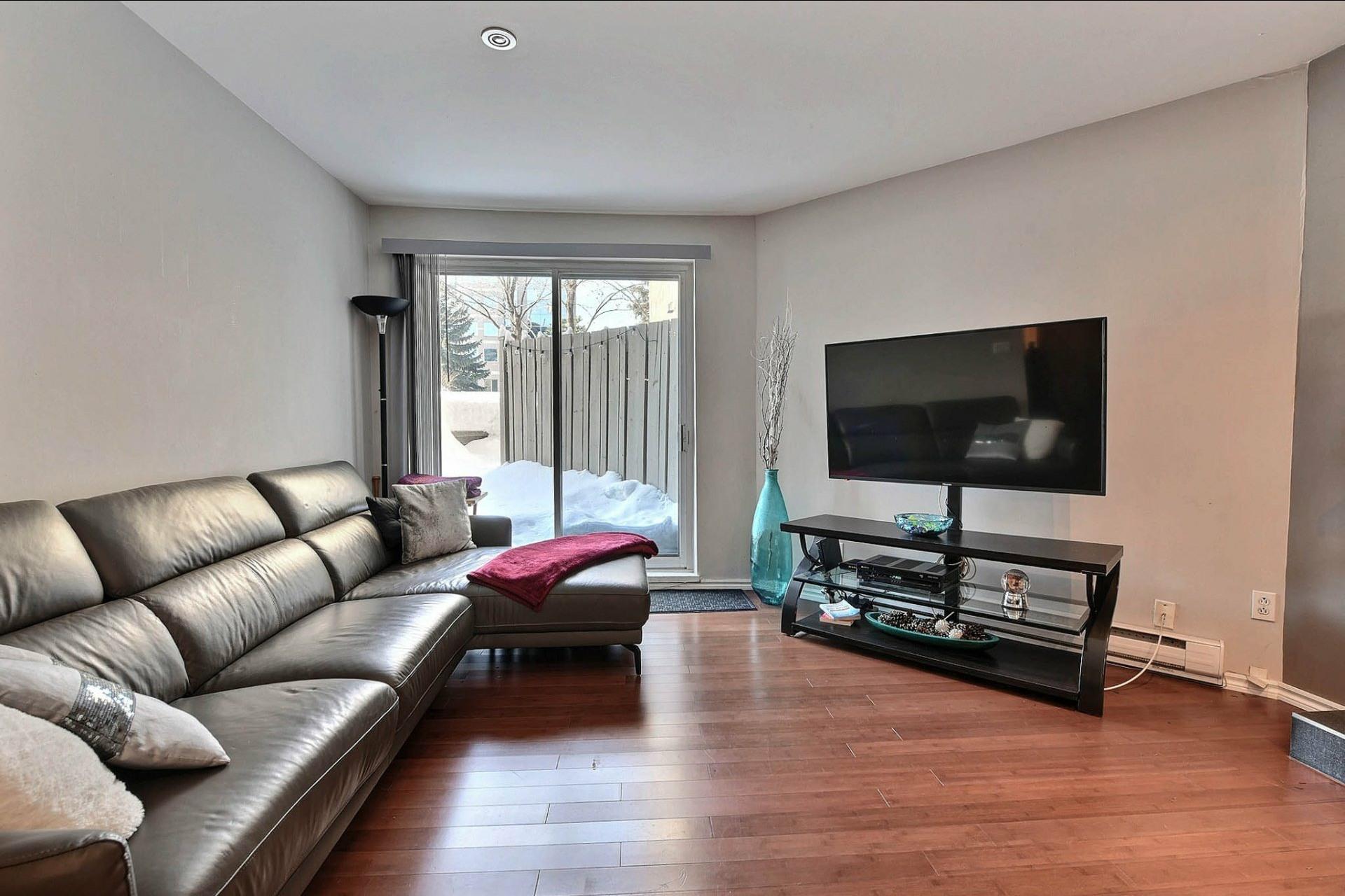 image 8 - Appartement À vendre Chomedey Laval  - 3 pièces