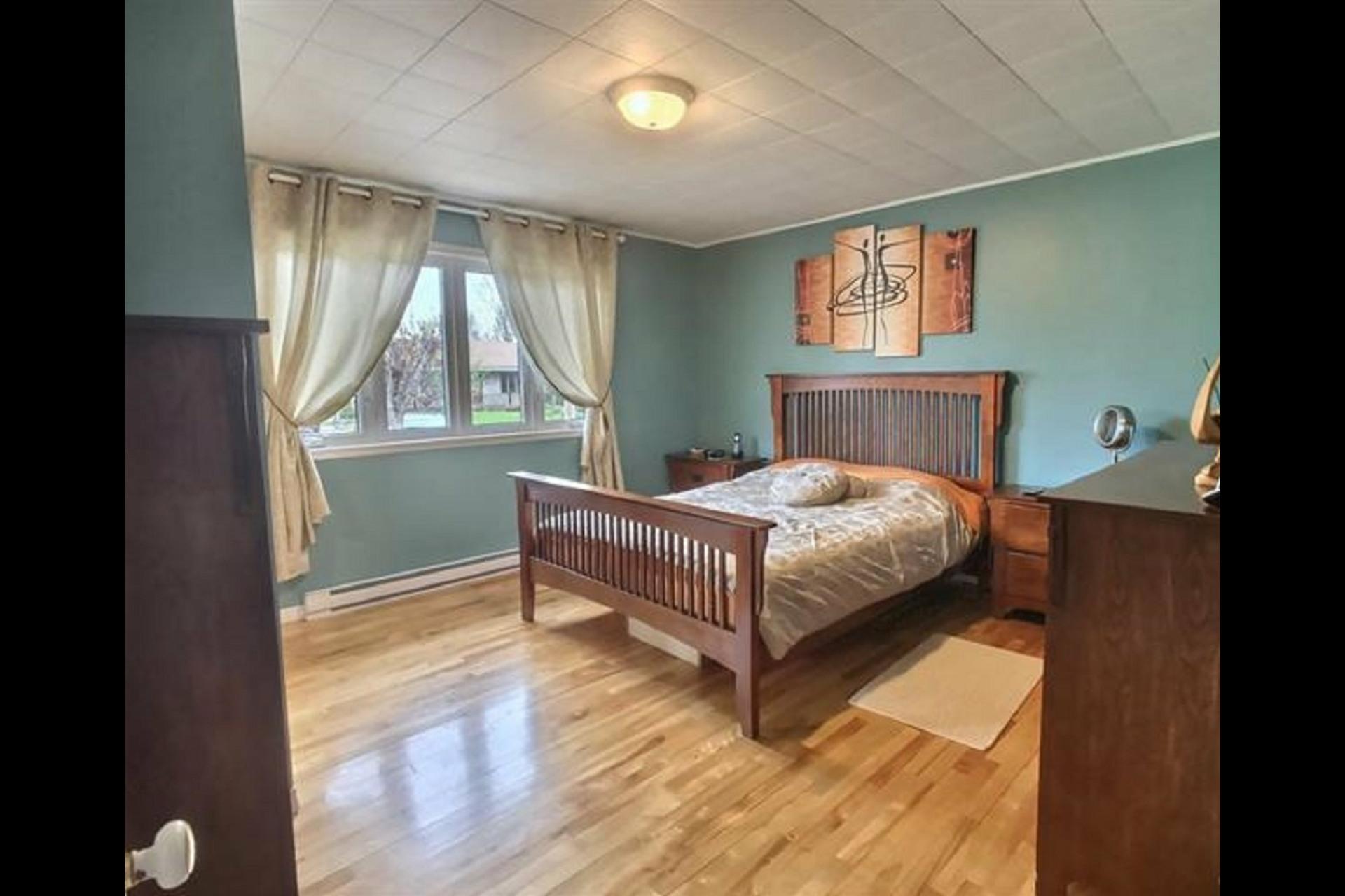 image 8 - Duplex À vendre Shawinigan - 12 pièces