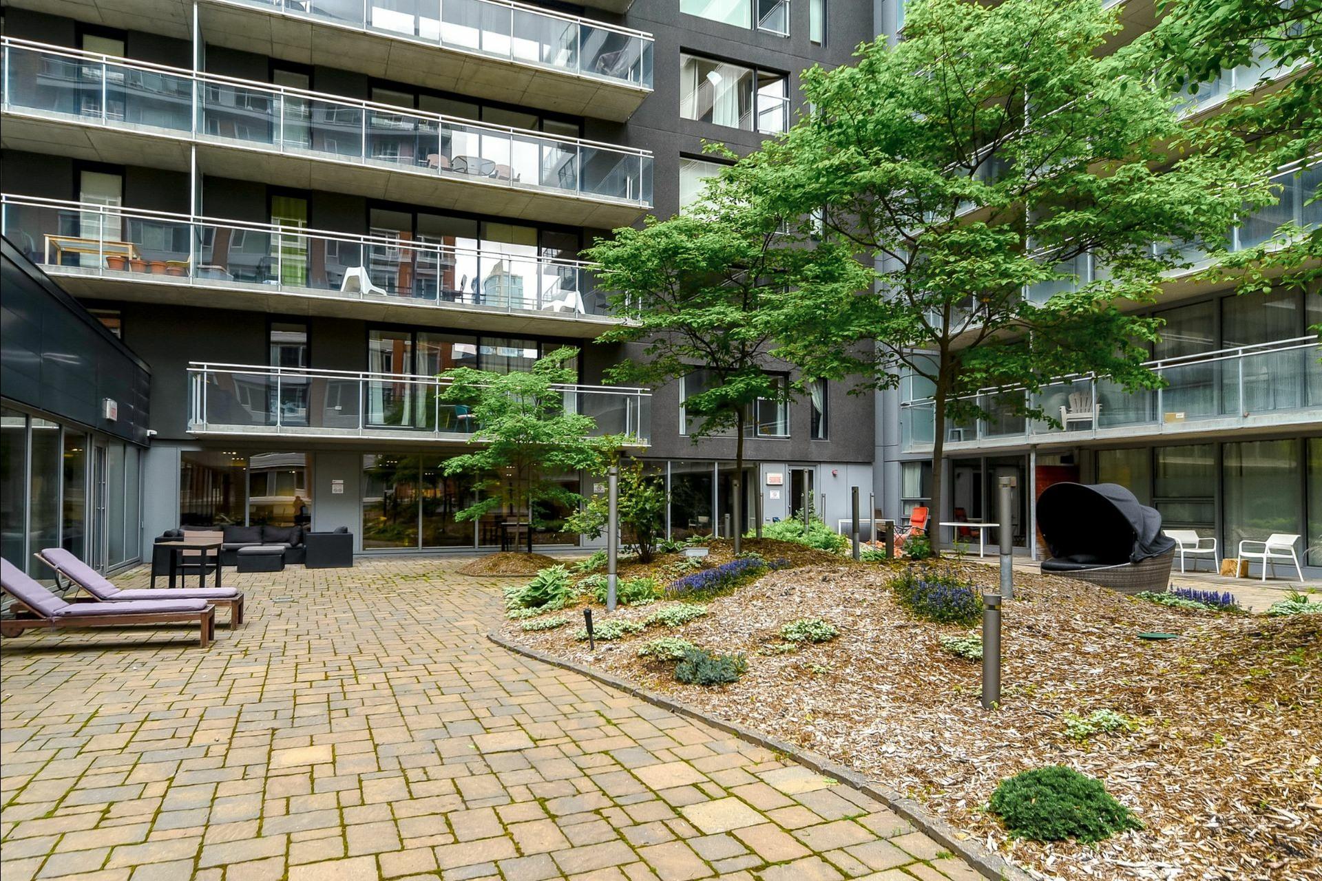 image 15 - Appartement À louer Ville-Marie Montréal  - 5 pièces