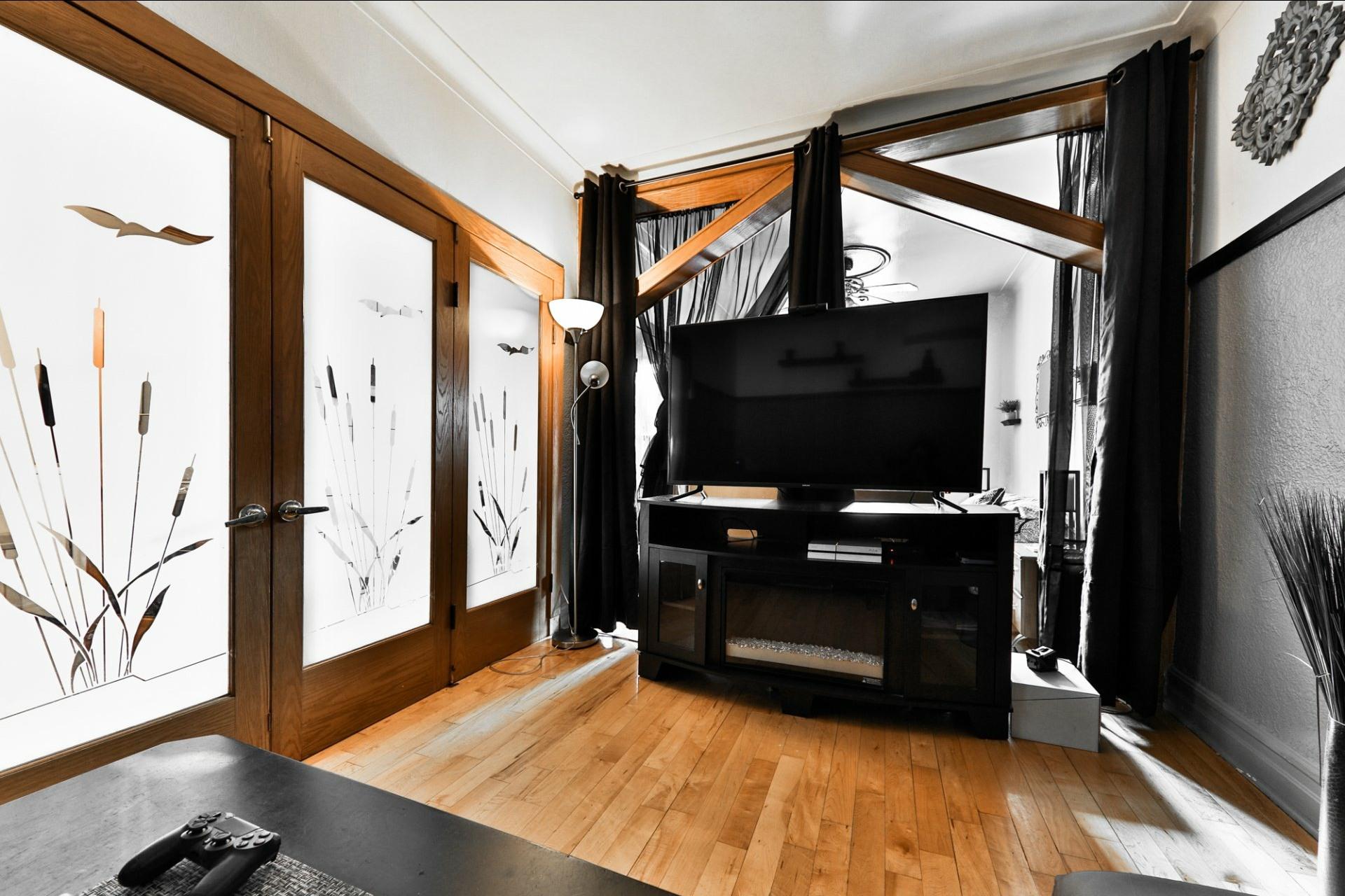 image 8 - Duplex À vendre Le Sud-Ouest Montréal  - 5 pièces