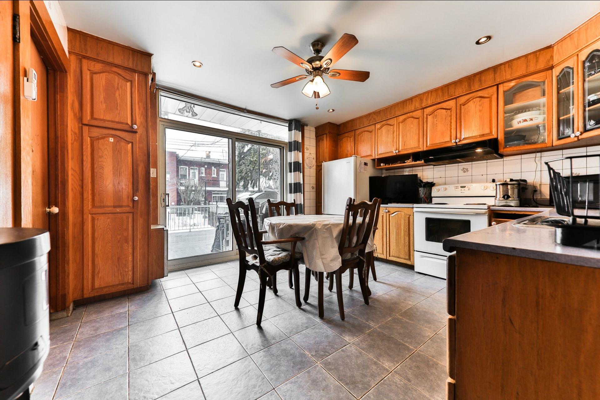 image 2 - Duplex À vendre Le Sud-Ouest Montréal  - 5 pièces