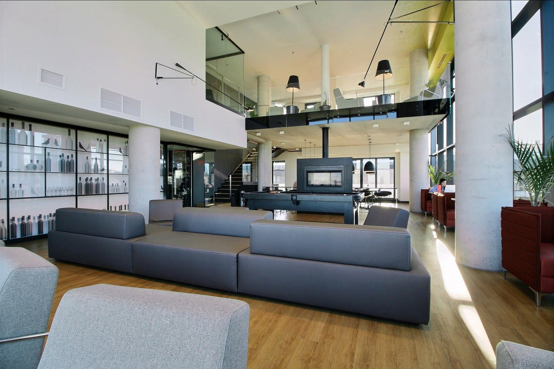 image 22 - Appartement À louer Le Sud-Ouest Montréal  - 5 pièces