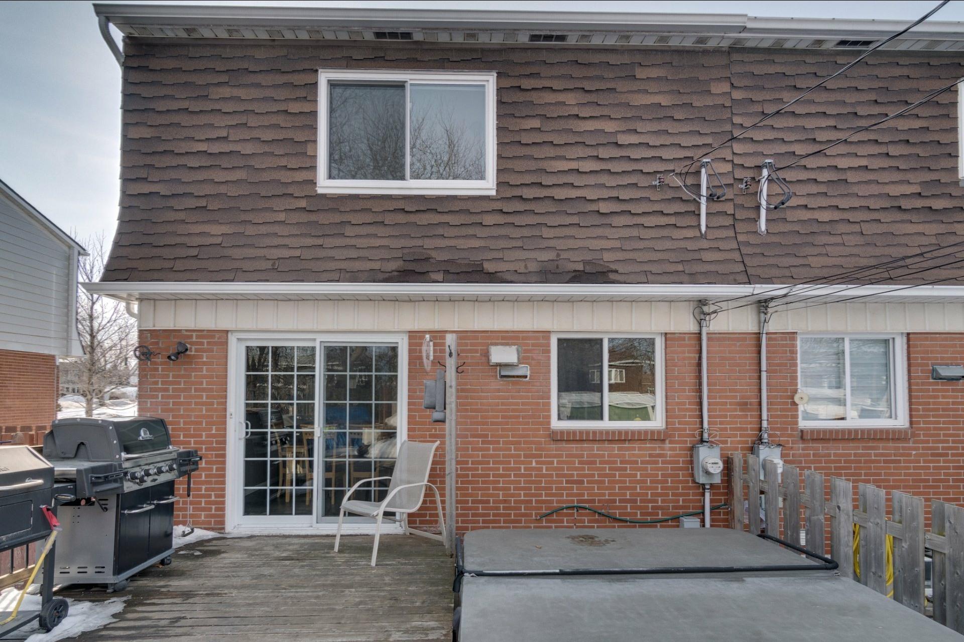 image 1 - Maison À vendre Saint-Vincent-de-Paul Laval  - 8 pièces