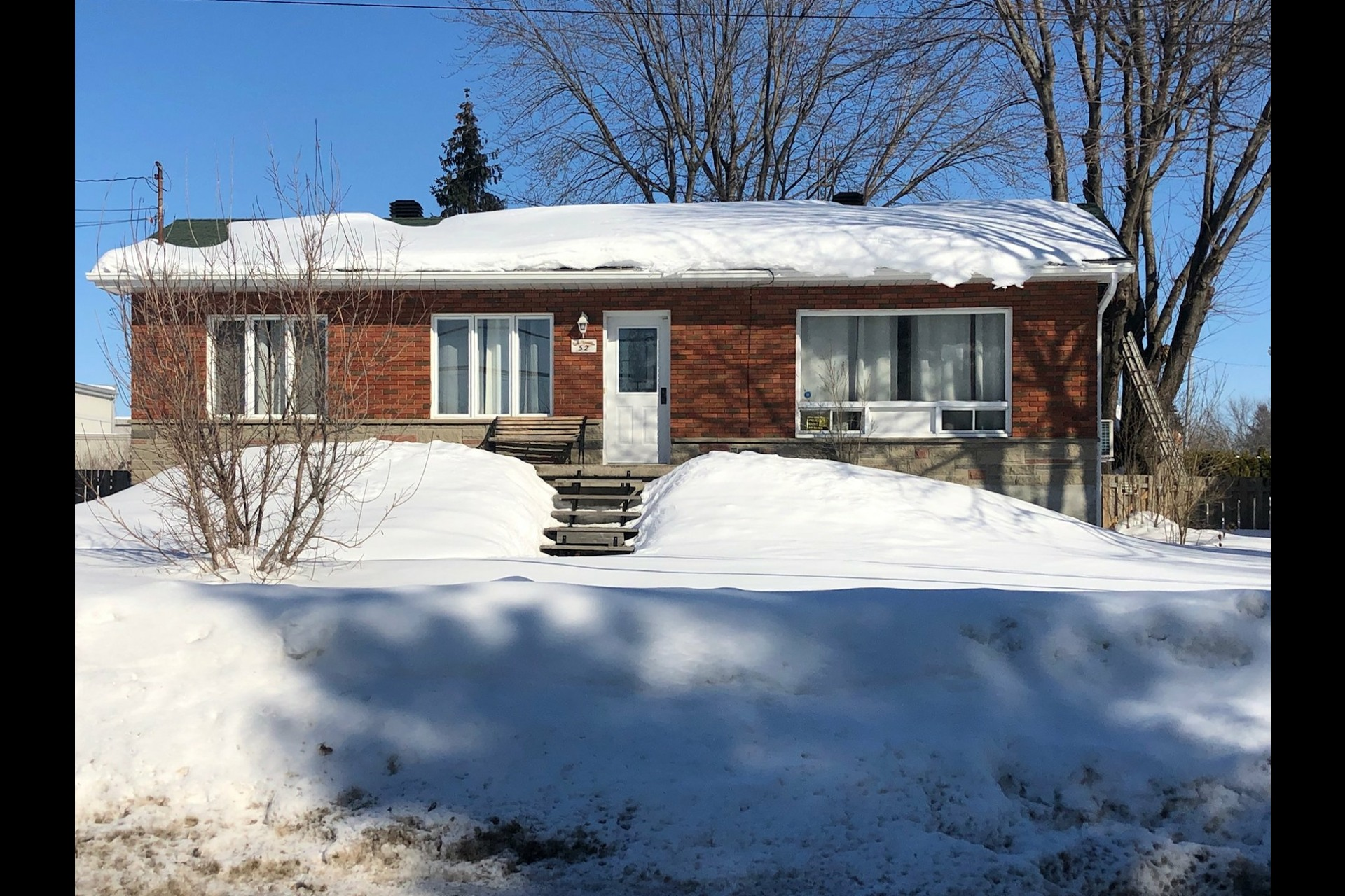 image 0 - House For sale Vaudreuil-Dorion - 6 rooms